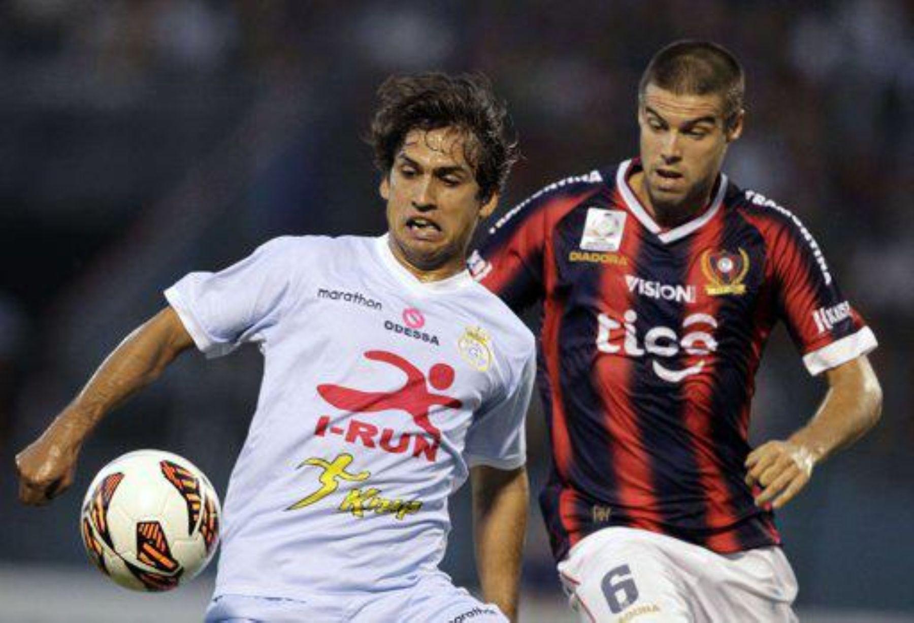 Real Garcilaso consiguió un valioso triunfo en Paraguay ante Cerro Porteño.