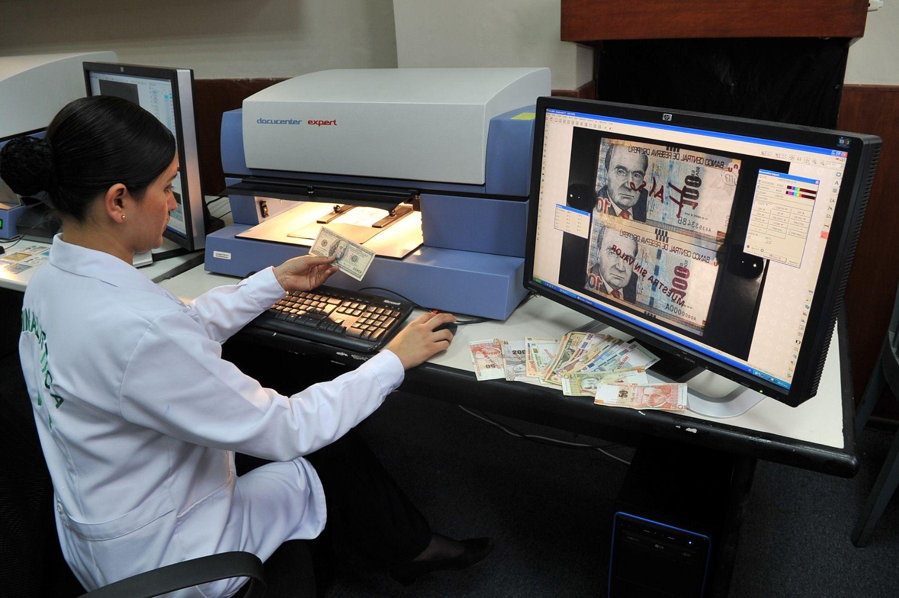 Pnp adquiere dos modernos equipos para detectar documentos for Ministerio del interior empleo
