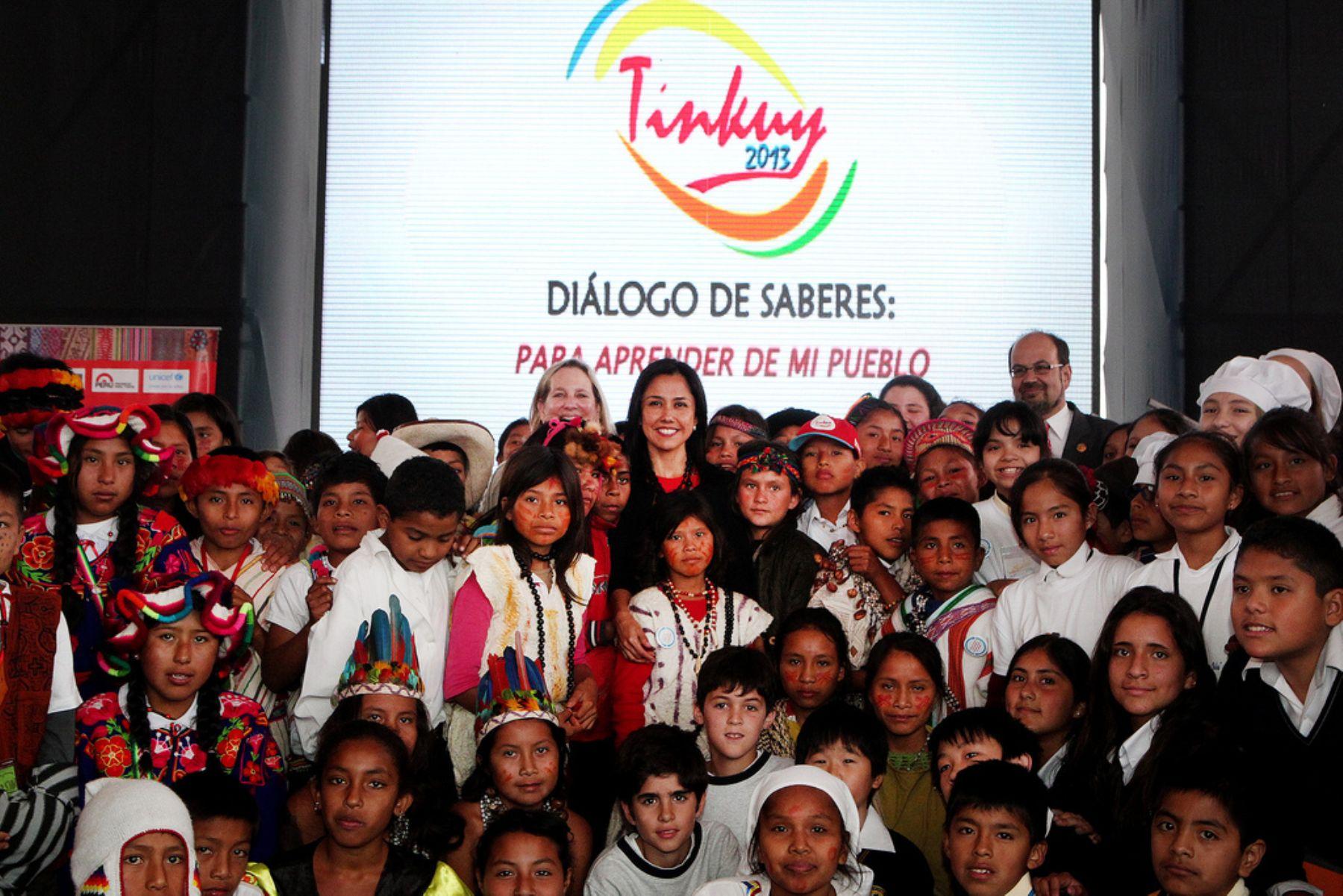 Primera Dama de la Nación, Nadine Heredia, durante ceremonia del Tinkuy 2013 dijo que los niños y niñas nos dan lección de avanzar en conjunto hacia un mismo ideal. ANDINA/Presidencia