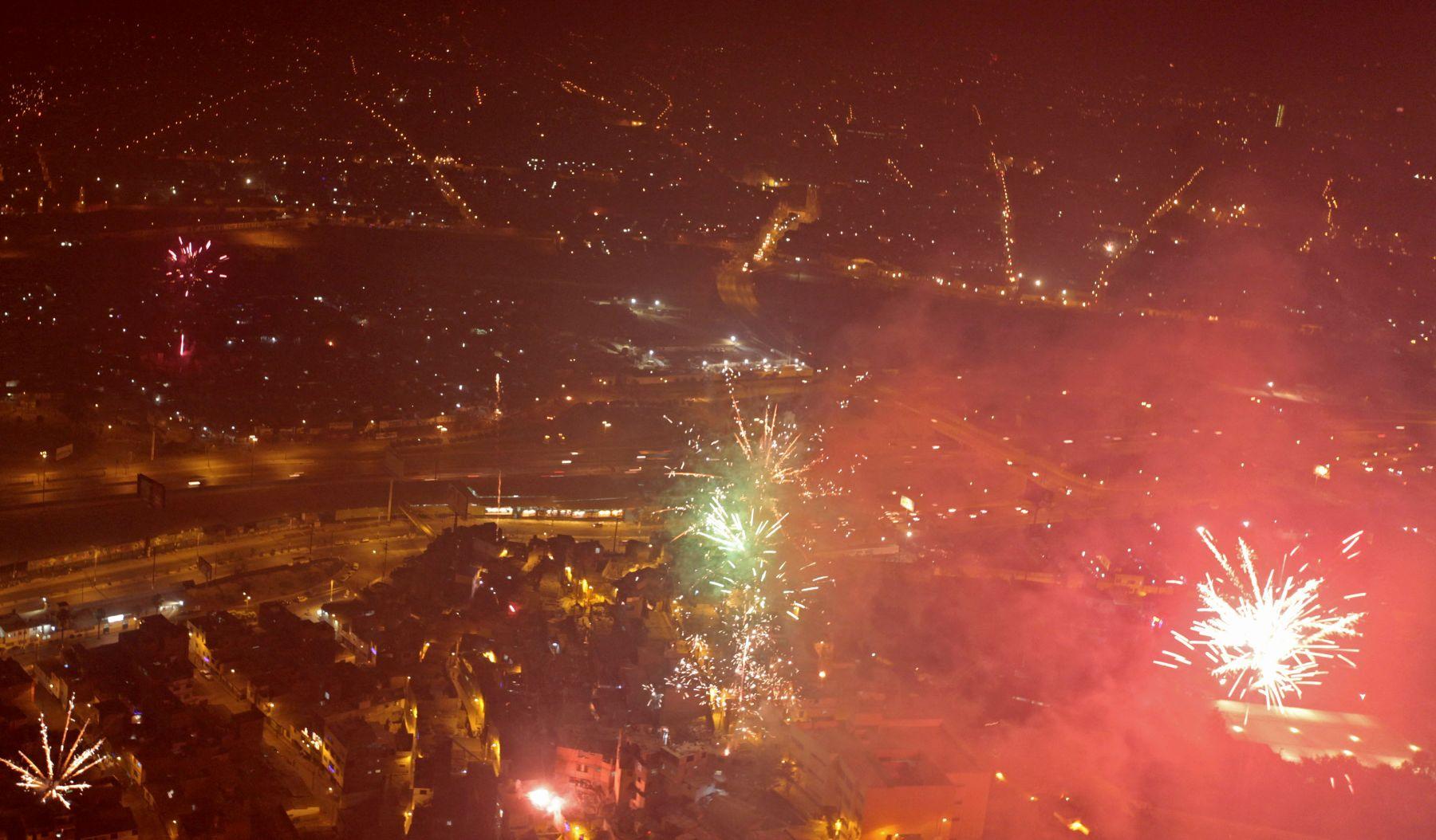 LIMA,PERÚ-ENERO 01.Celebraciones en Lima del Año Nuevo.Foto: ANDINA/Carlos Lezama