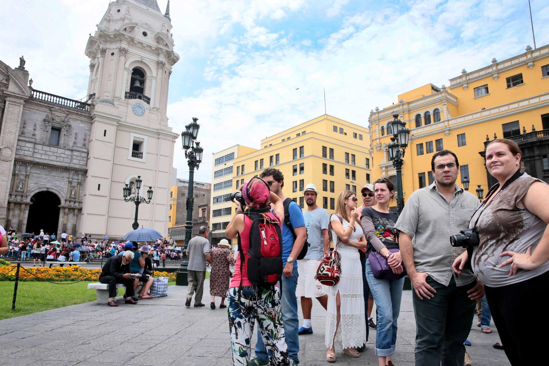 Turistas en Lima.Foto: ANDINA/Carlos Lezama
