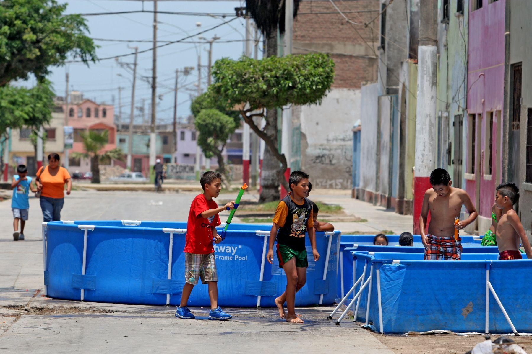 Decomisan 25 piscinas port tiles que fueron instaladas en for Albercas portatiles