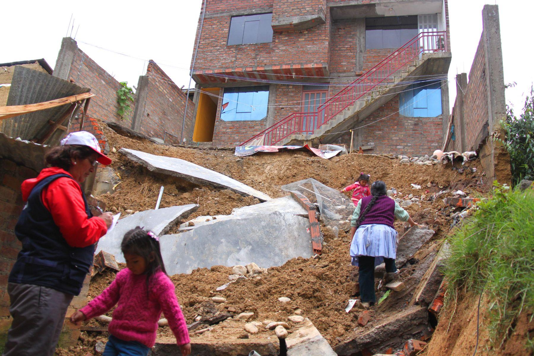 Por intensas lluvias cinco viviendas colapsaron y otras diez resultaron dañadas en Huancayo