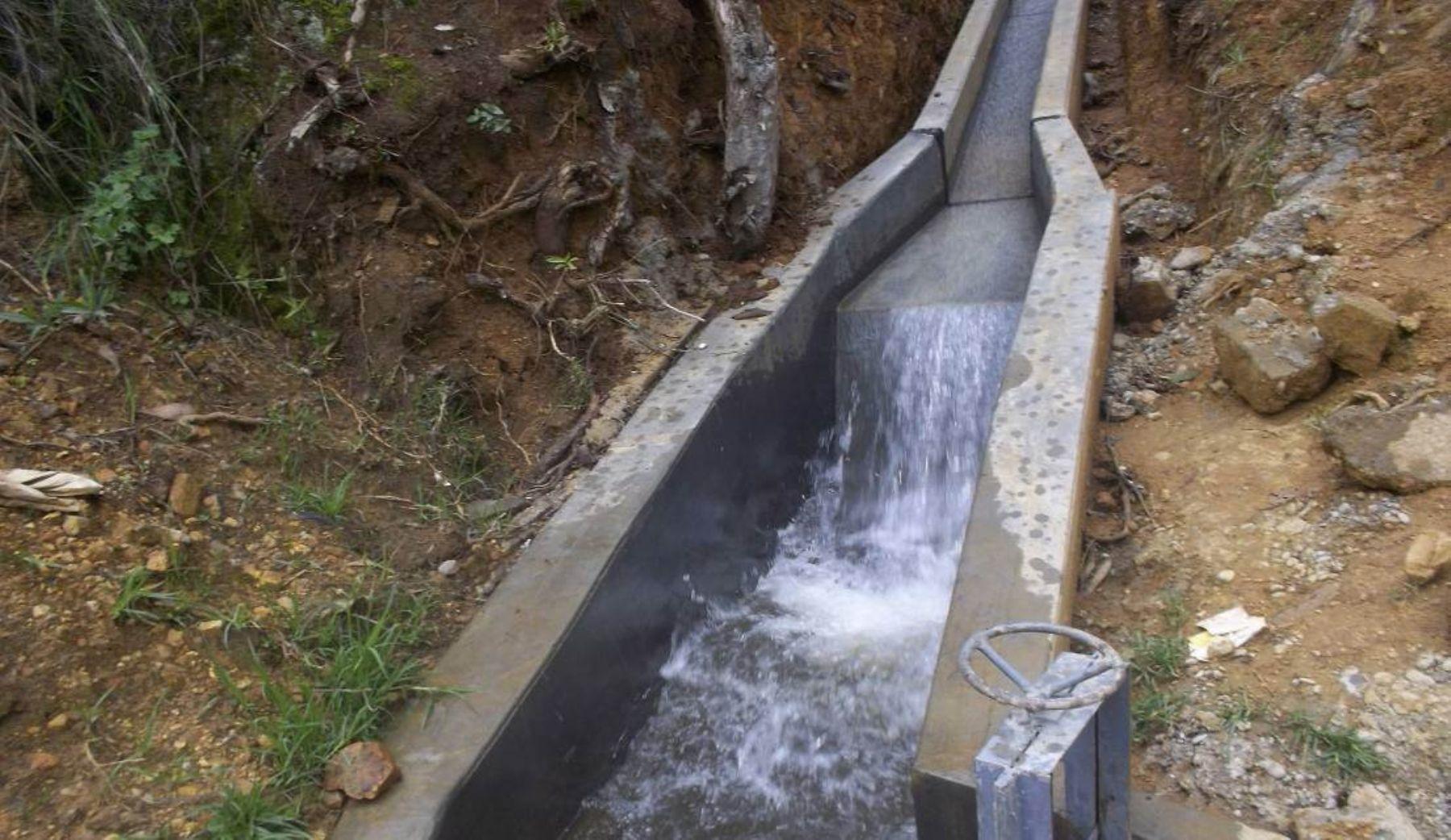 Nuevo canal llegará agua a 45 hectáreas en Huancayo