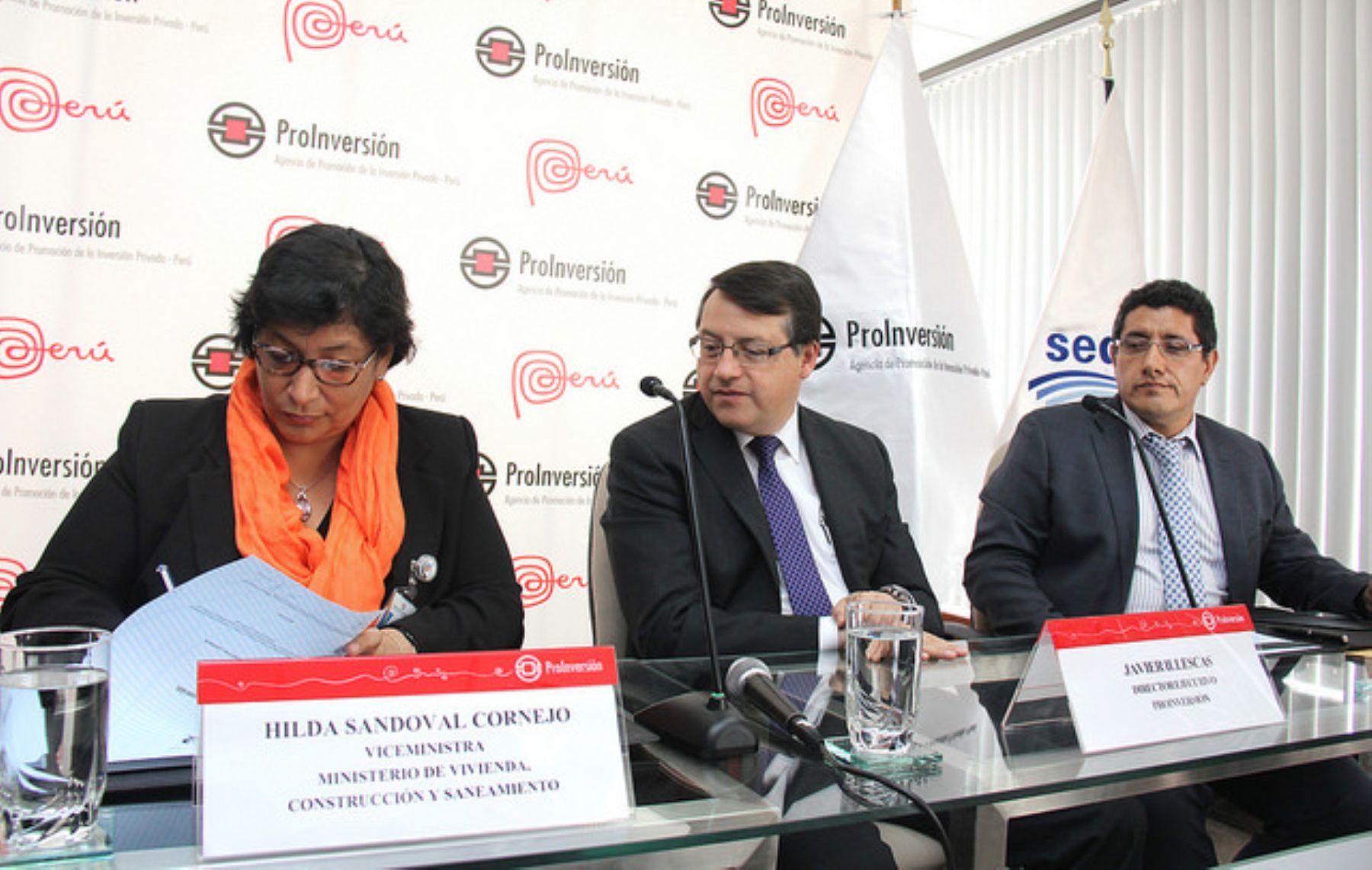 Firma del contrato del proyecto de desalinización de agua de mar.