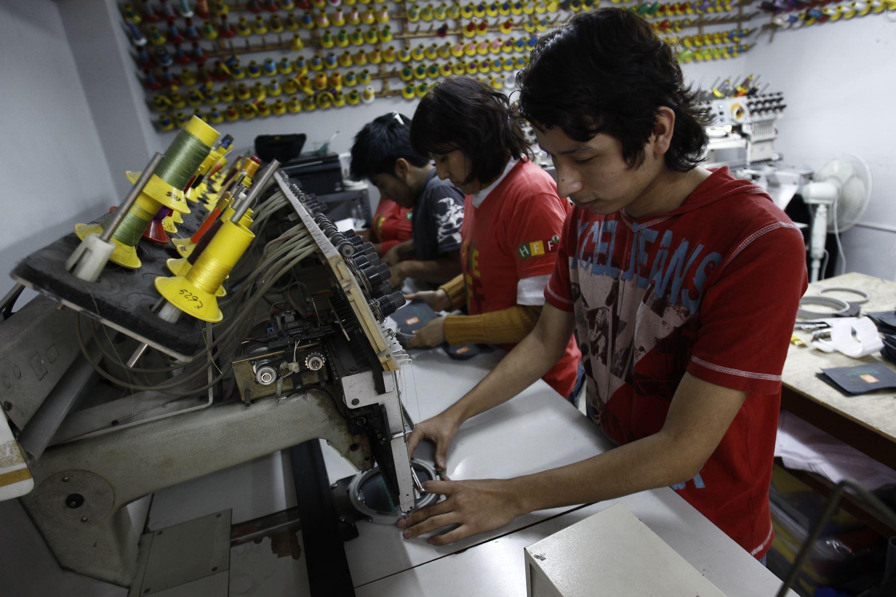 Taller textil. ANDINA/Juan Carlos Guzmán