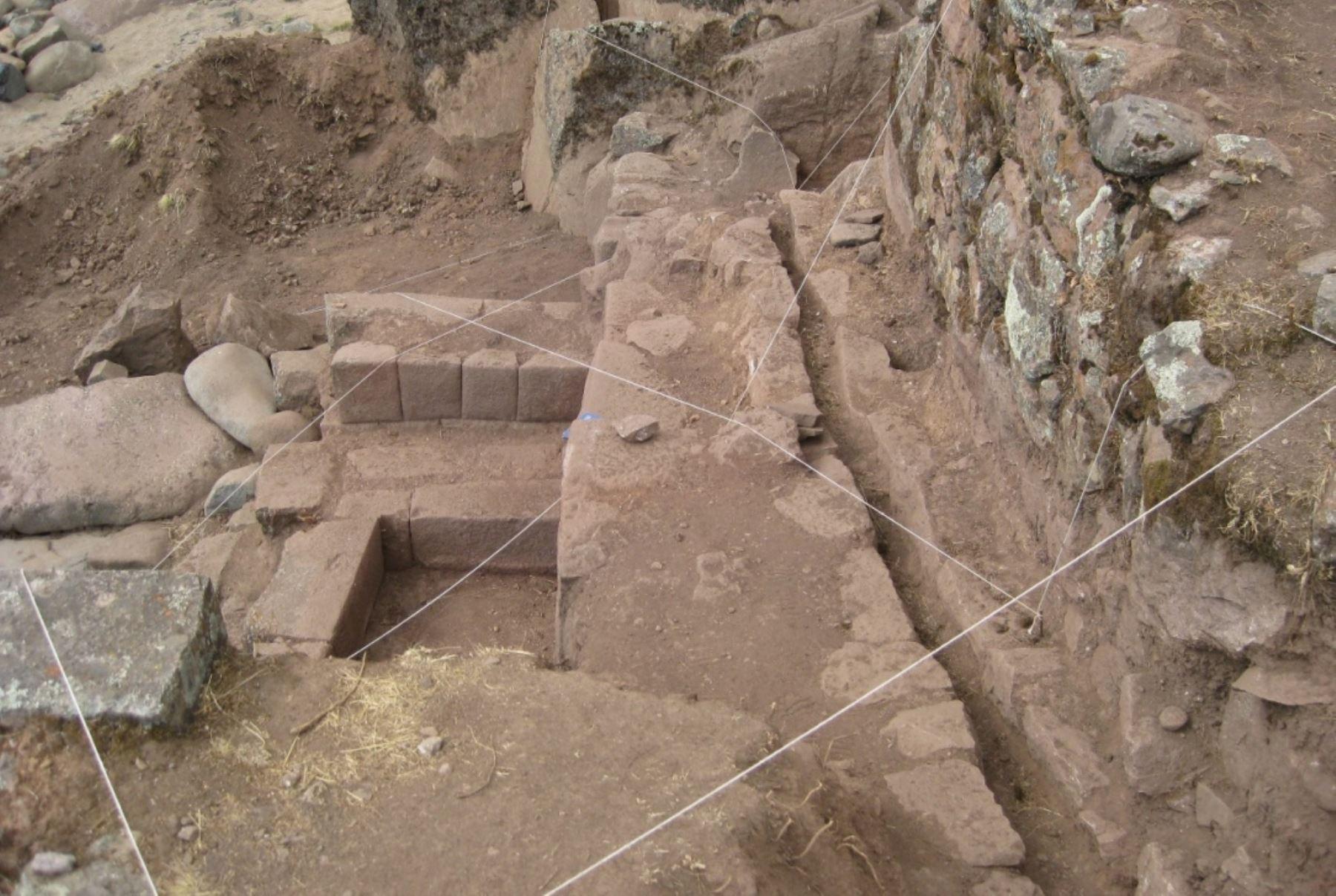 Descubren piedra de 13 ángulos en complejo arqueológico Inkawasi, en Huancavelica.