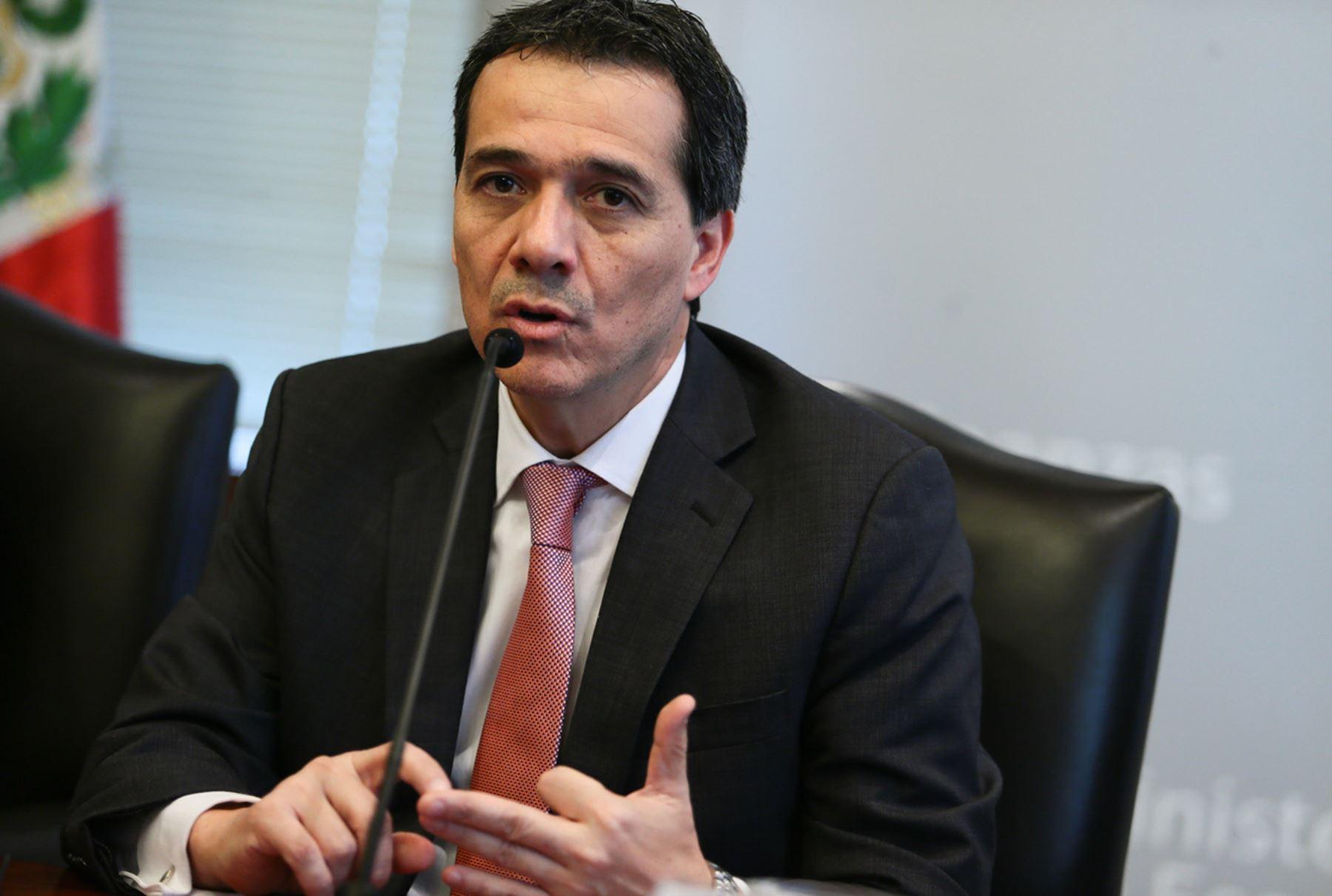 LIMA-NOVIEMBRE,06.Conferencia de prensa del ministro de Economía y Finanzas, Alonso Segura.Foto: ANDINA/Carlos Lezama