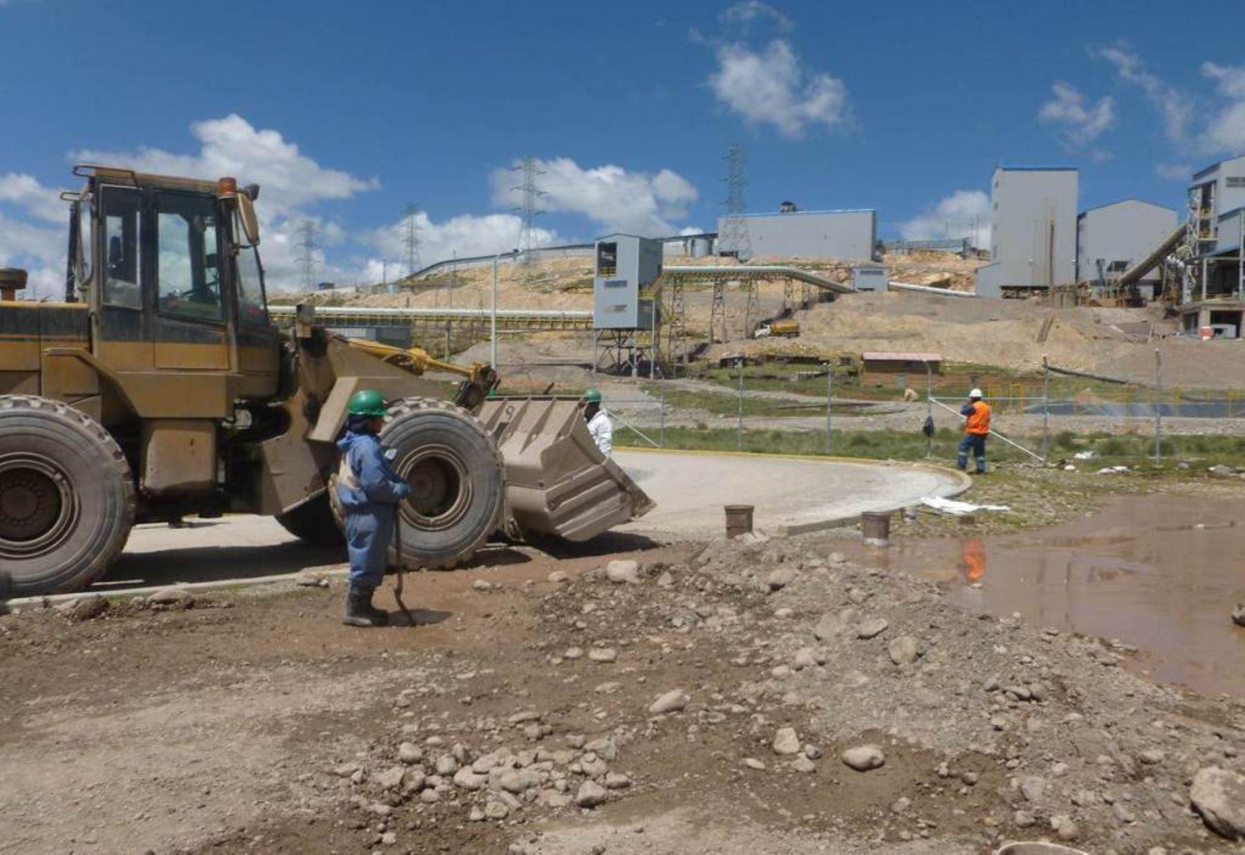 Desborde de relaves mineros afectaron pastizales en Pasco. Foto: ANDINA/Difusión