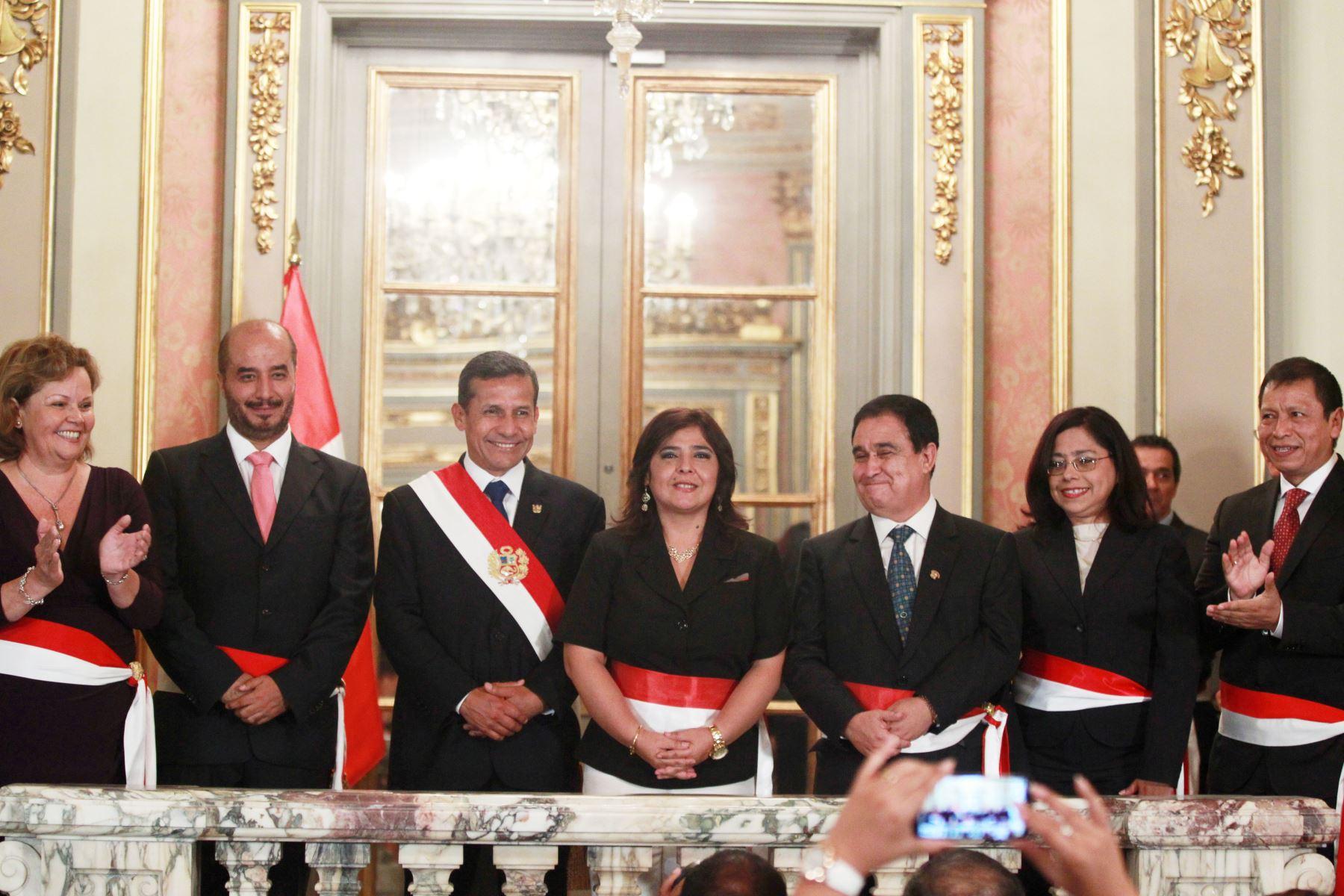 Poder ejecutivo oficializa designaci n de cinco nuevos for Nuevo ministro de interior y justicia