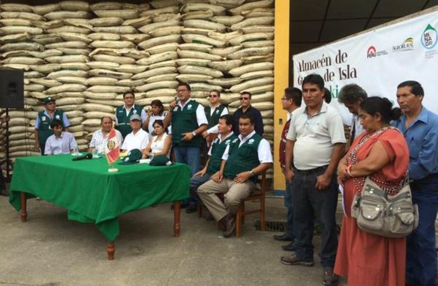 Transferirán a Agrobanco partida de 100 millones de soles para atender a cafetaleros de la selva central.