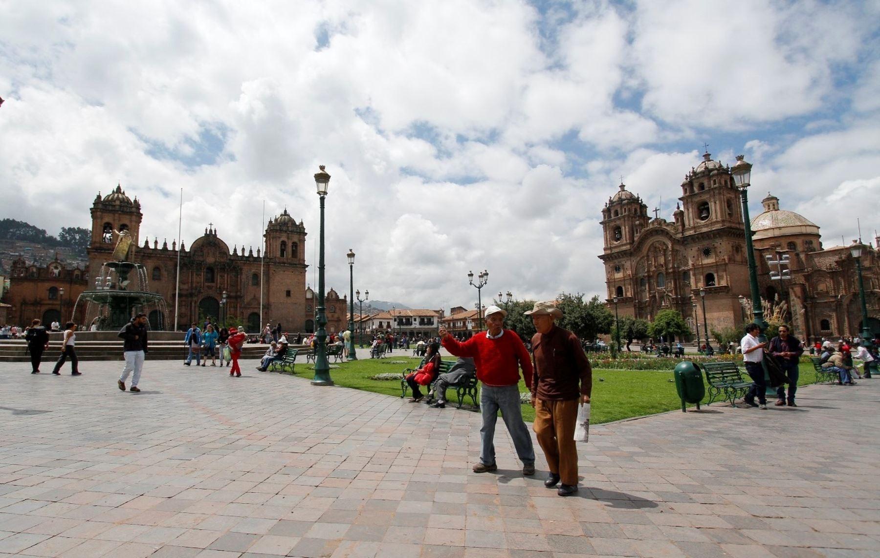 El Ministerio de Cultura creó una comisión sectorial de naturaleza temporal encargada de formular y hacer seguimiento a la estrategia del Estado Peruano para afrontar y superar los potenciales impactos negativos a los valores patrimoniales que sustentan el Valor Universal Excepcional del Centro Histórico del Cusco declarado por la Unesco. ANDINA/Percy Hurtado Santillán