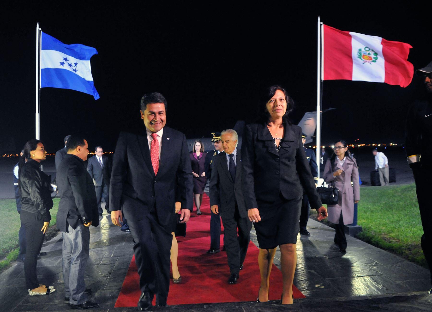La Ministra De Relaciones Exteriores Embajadora Ana Mar A S Nchez Recibi Esta Noche En El