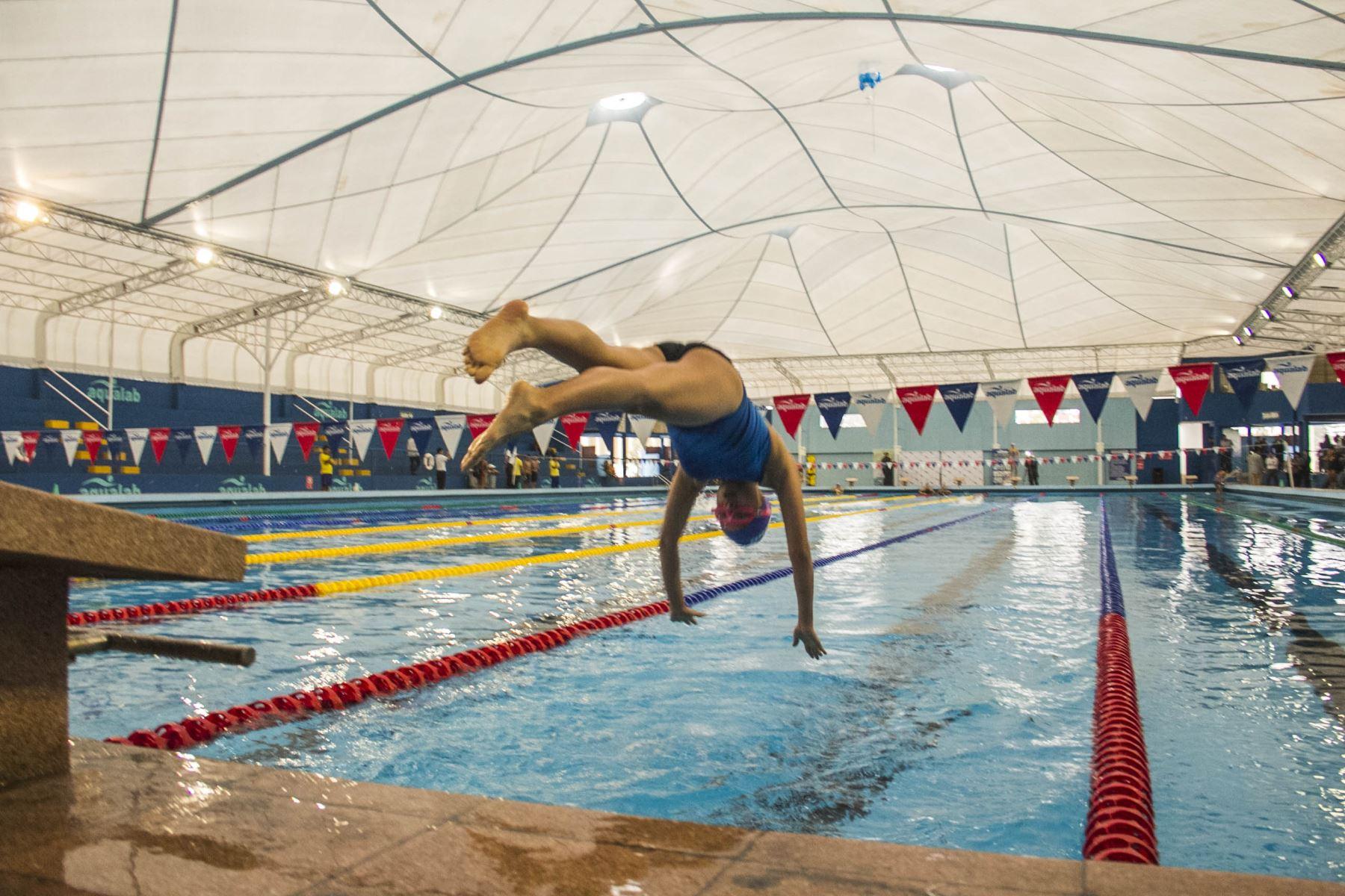 Remodelada piscina ol mpica de san borja ser a potencial for Metros piscina olimpica