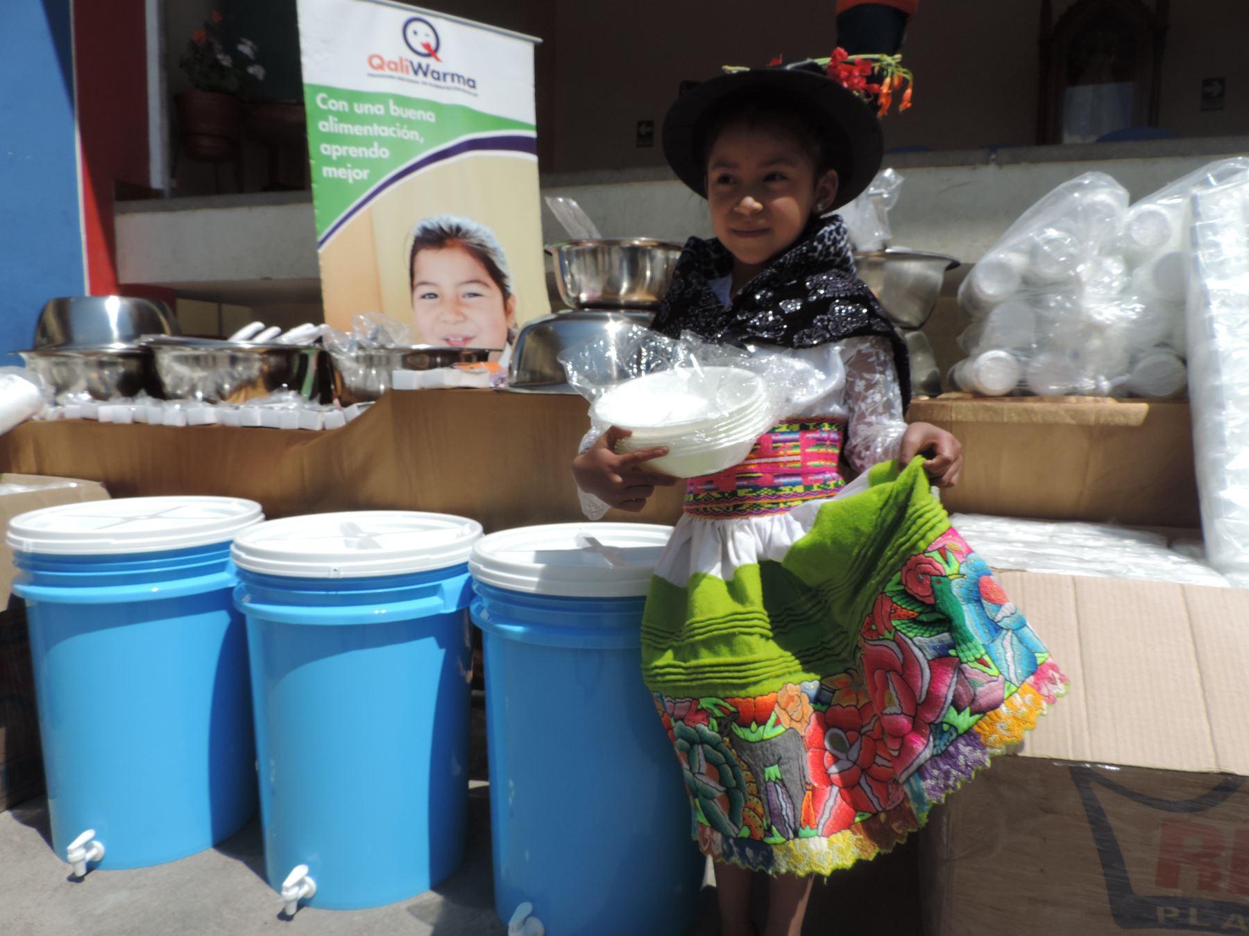 Con entrega de utensilios y menaje se beneficiarán 43,933 alumnos que consumen alimentos de Qali Warma.