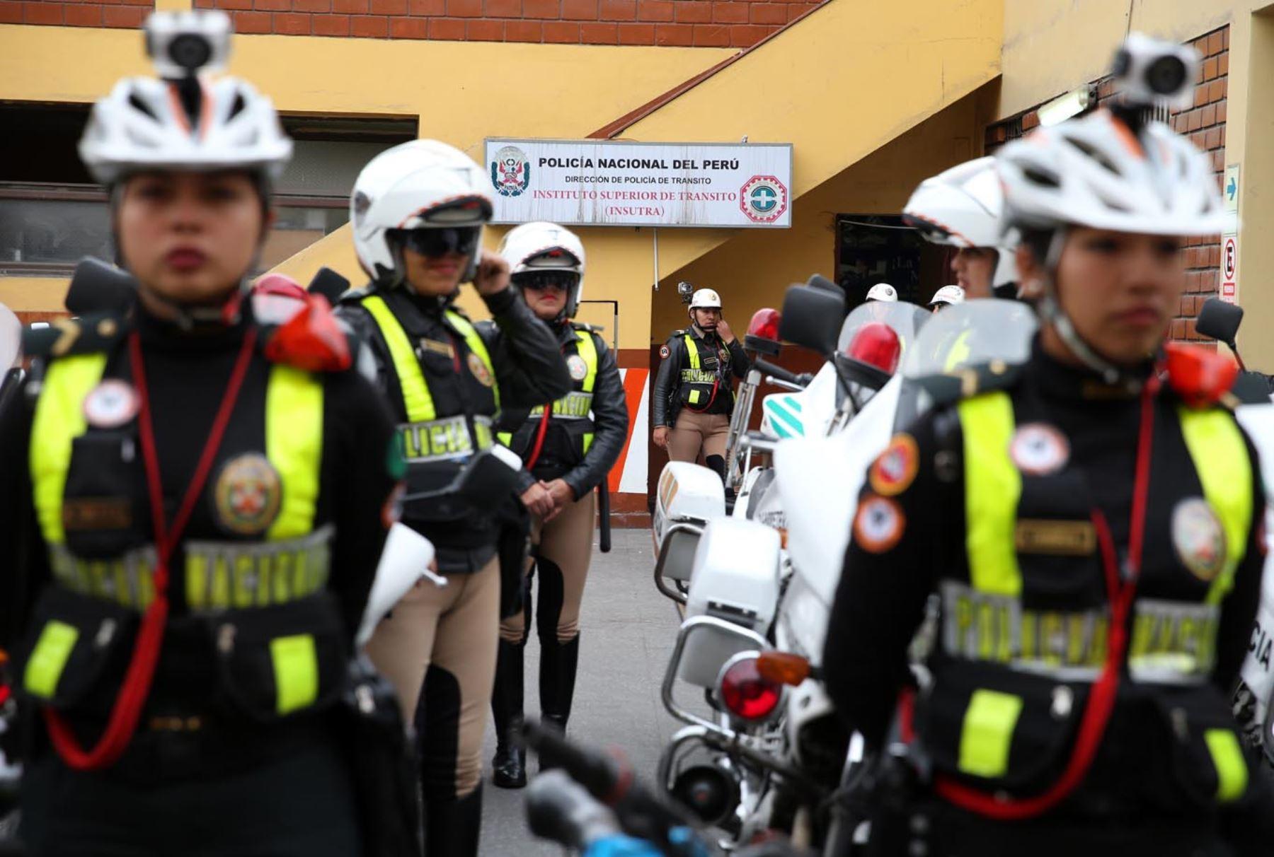 El reto de ser polic a de tr nsito en una compleja ciudad for Portal de servicios internos policia