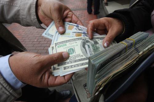 Mercado cambiario. ANDINA/Difusión