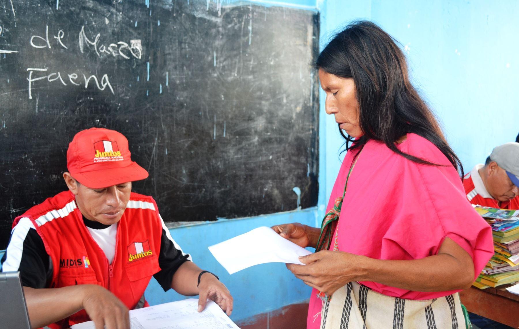 Representantes del programa Juntos iniciaron proceso de afiliación de nuevos hogares en la región Junín. ANDINA/Pedro Tinoco