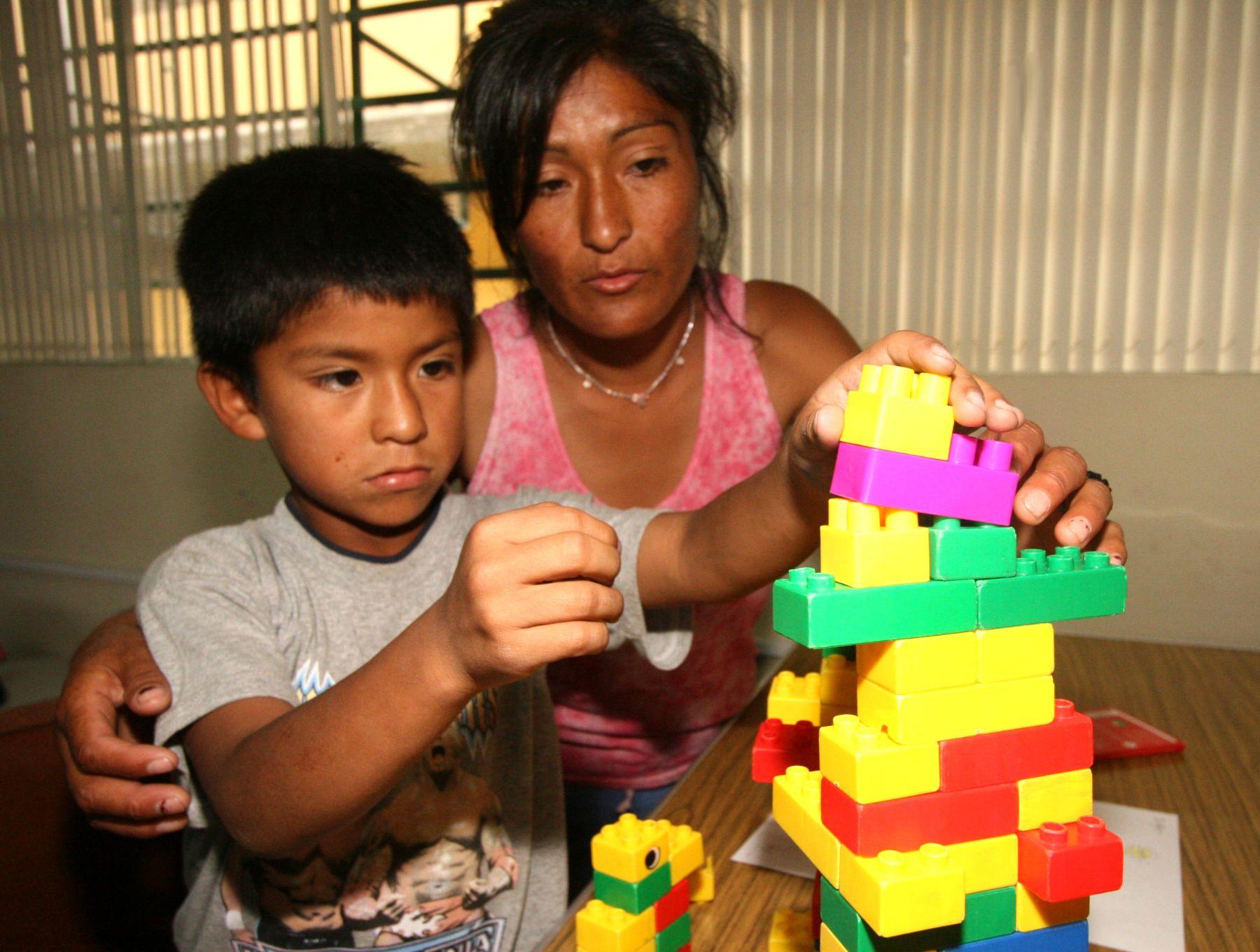 Incumplimiento de tenencia compartida podría motivar que el progenitor pierda custodia del menor. Foto: ANDINA/Archivo.