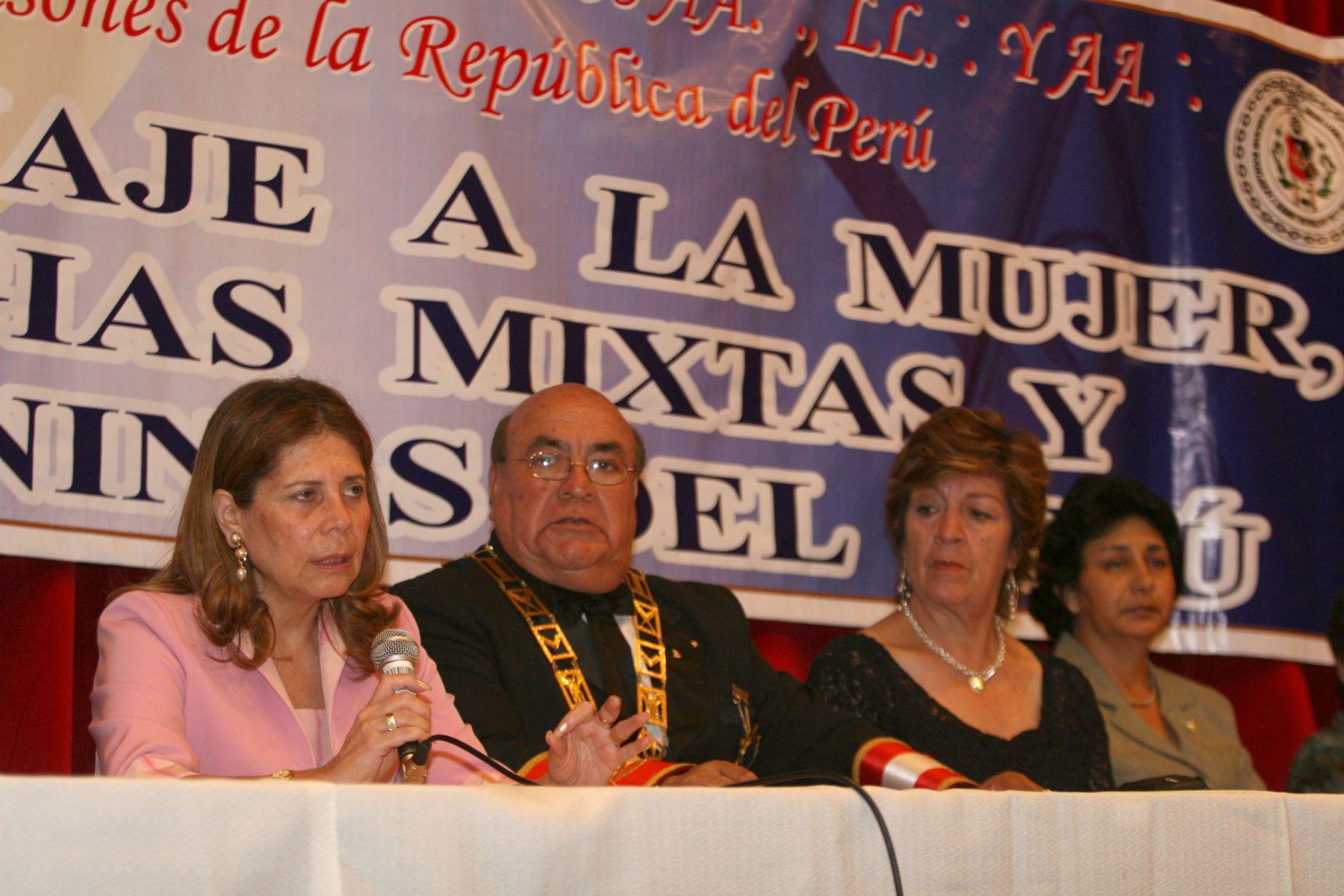 Presidenta del Directorio de Editora Perú María del Pilar Tello expone sobre la mujer y su responsabilidad en la Sociedad Peruana foto: ANDINA / Vidal Tarqui