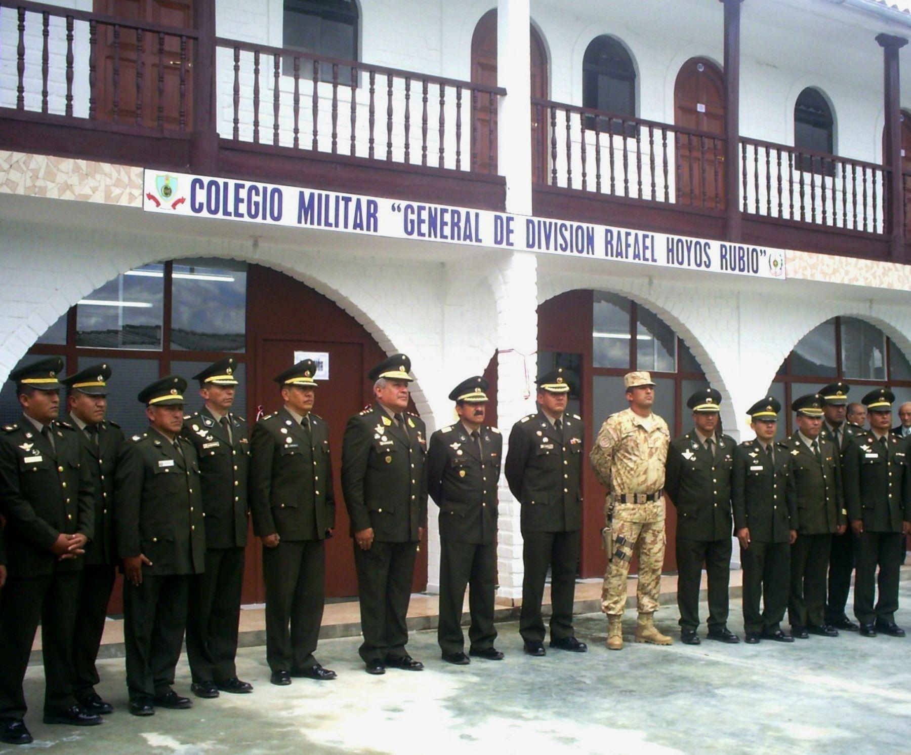Colegio Militar Rafael Hoyos Rubio inició año académico.