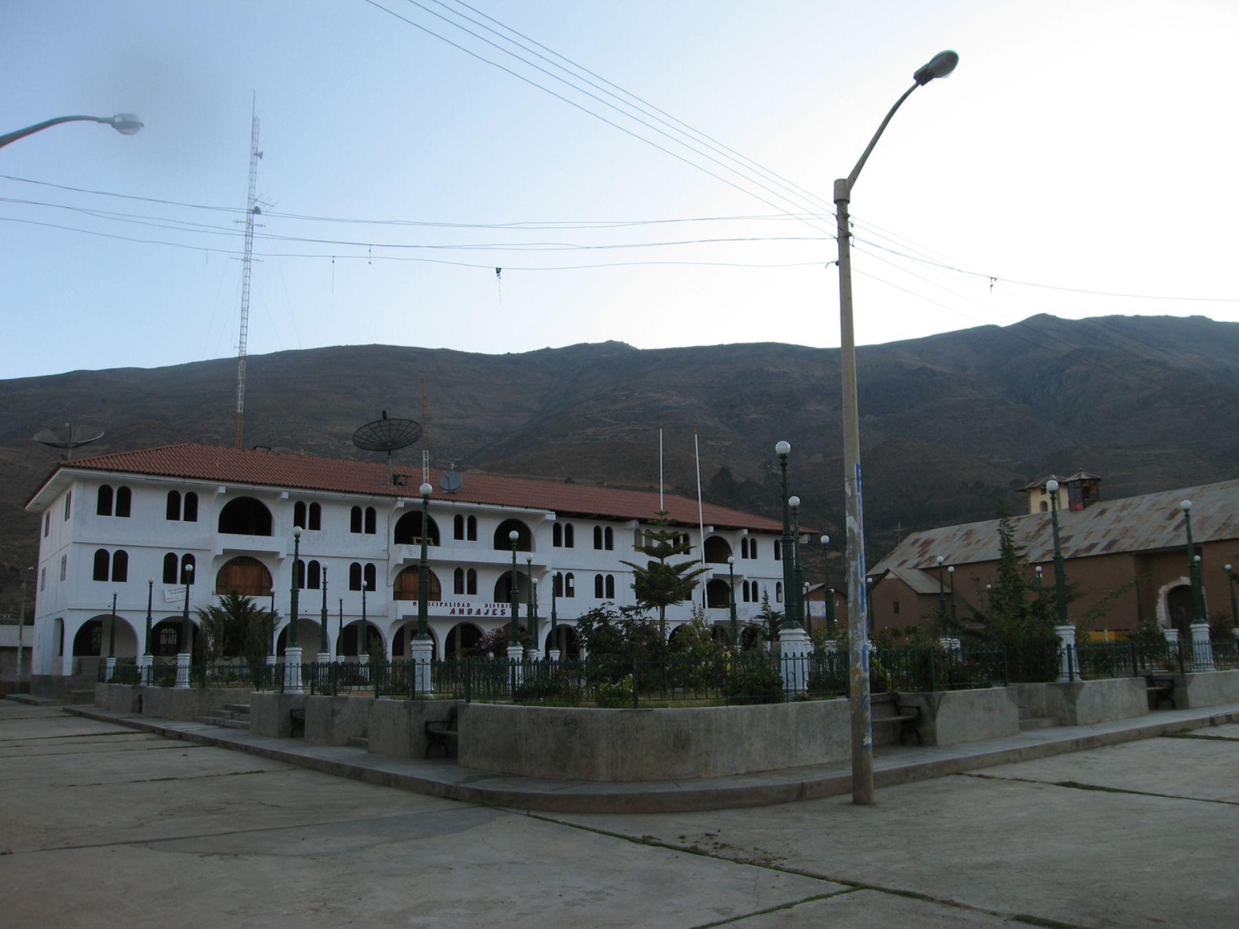 Plaza de Armas de distrito de Andajes, en la provincia limeña de Oyón. Foto: ANDINA / Municipalidad de Andajes.