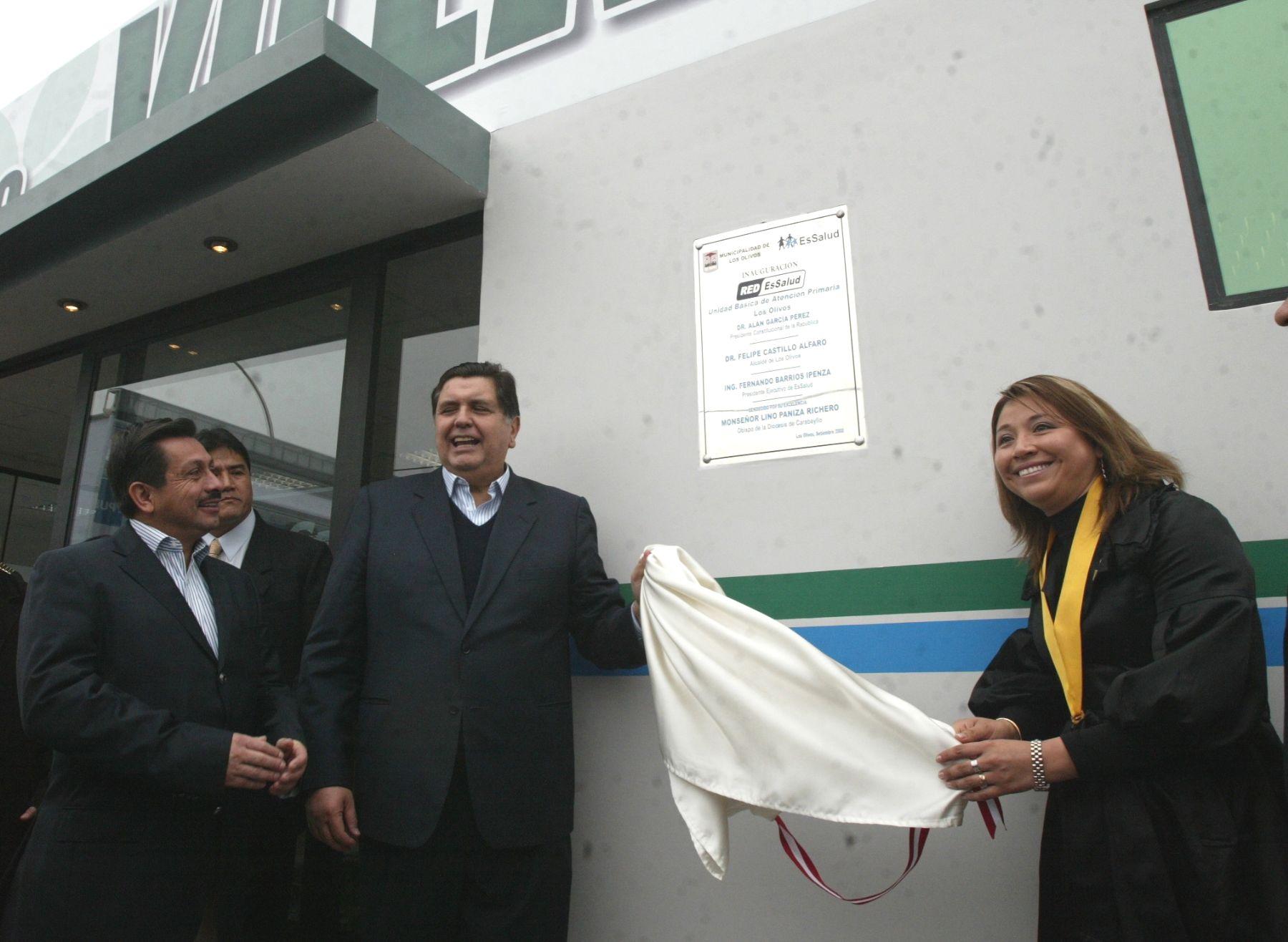 Presidenta Alan Garcia y titular de EsSalud inauguran centro de salud en Villa Sol, Los Olivos. Foto: ANDINA/Victor Palomino.