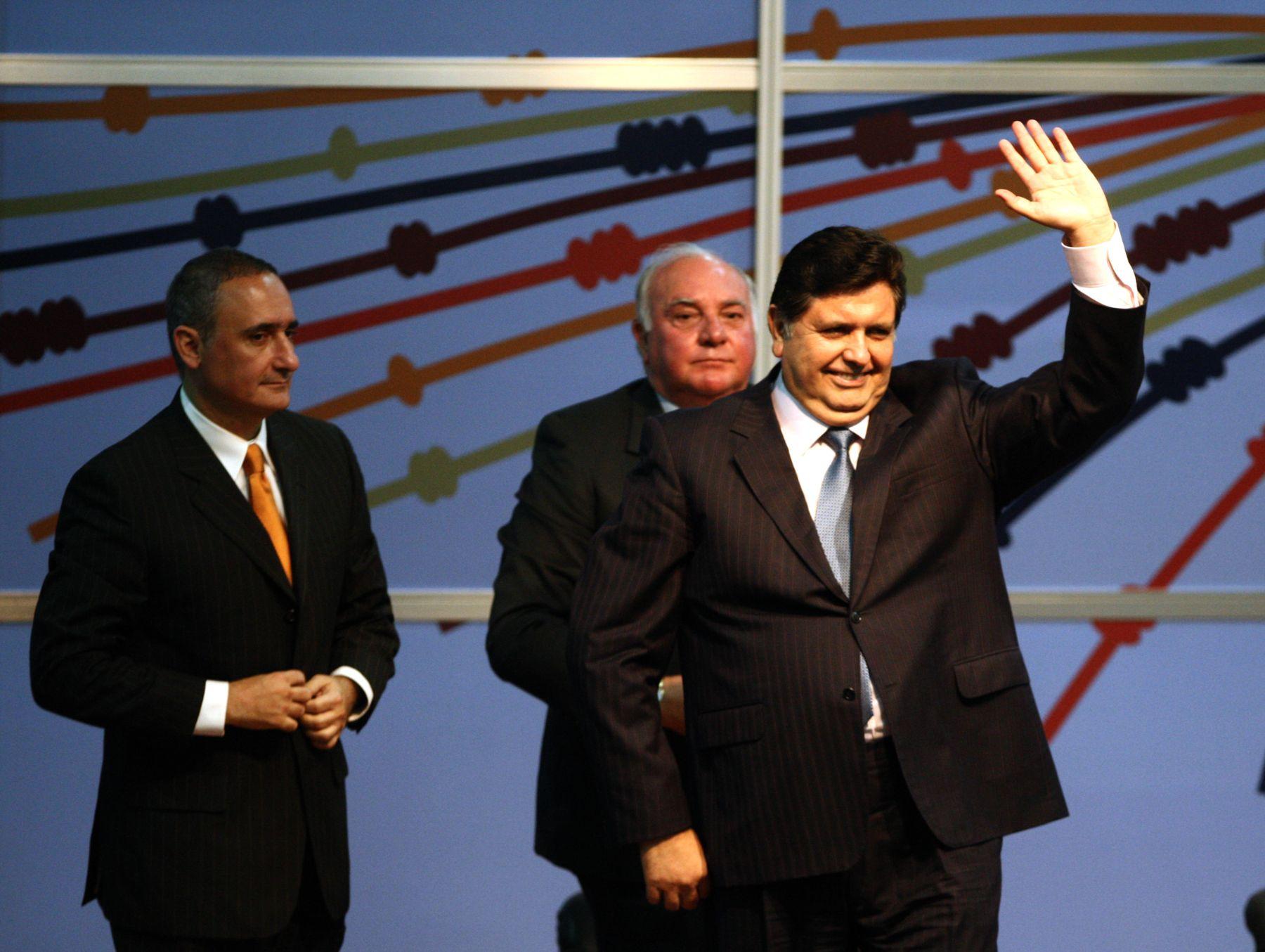El presidente peruano Alan García clausura esta tarde la 2da Cumbre Pymes del Foro APEC, en el Centro de Convenciones de la Fortaleza del Real Felipe. Foto: ANDINA /Jack Ramon.