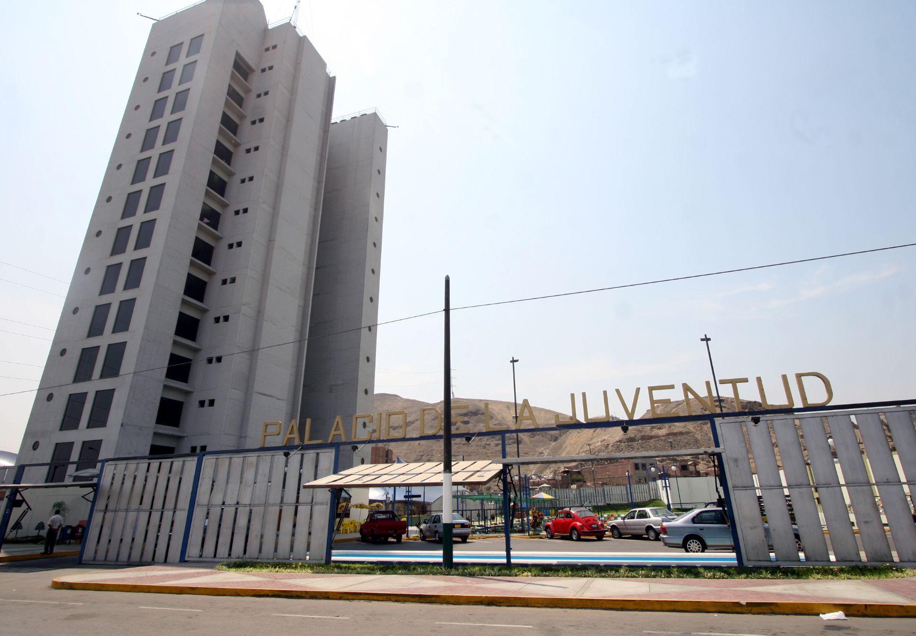 La universdad que se construirá en Los Olivos estará cerca del Palacio de la Juventud (en la foto). Foto: Andina/Archivo