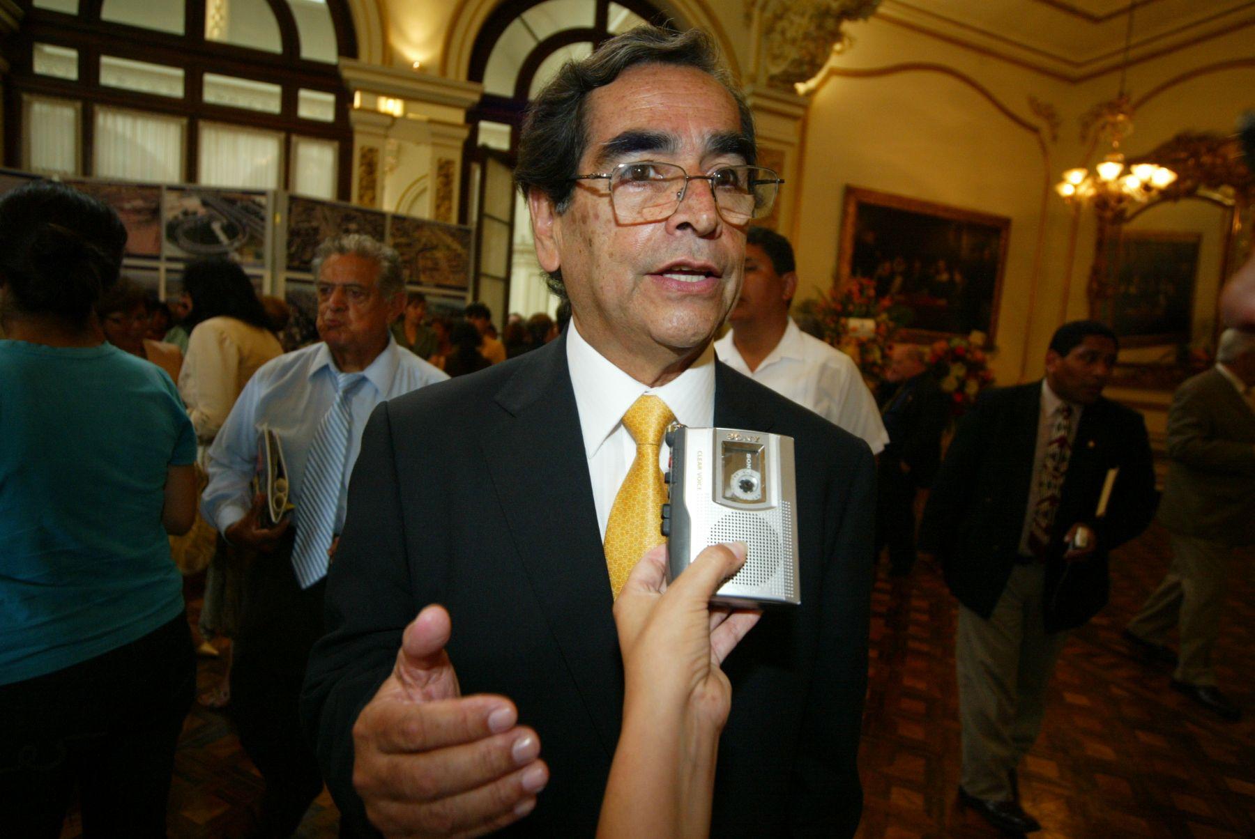 El Ministro de Salud, Oscar Ugarte. Foto: ANDINA / Rubén Grández.