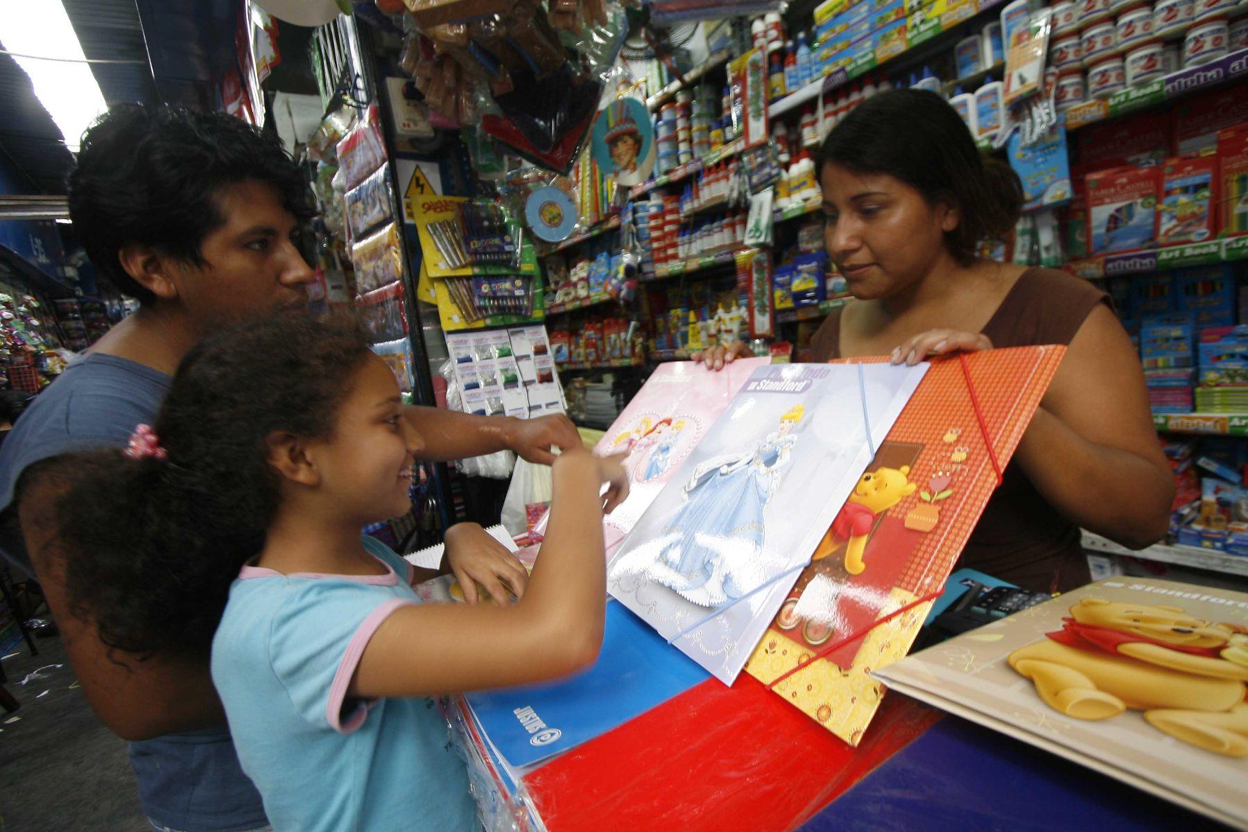 Padres podrán consultar precio de libros en Observatorio Nacional de Textos Escolares. Foto: ANDINA/Archivo.