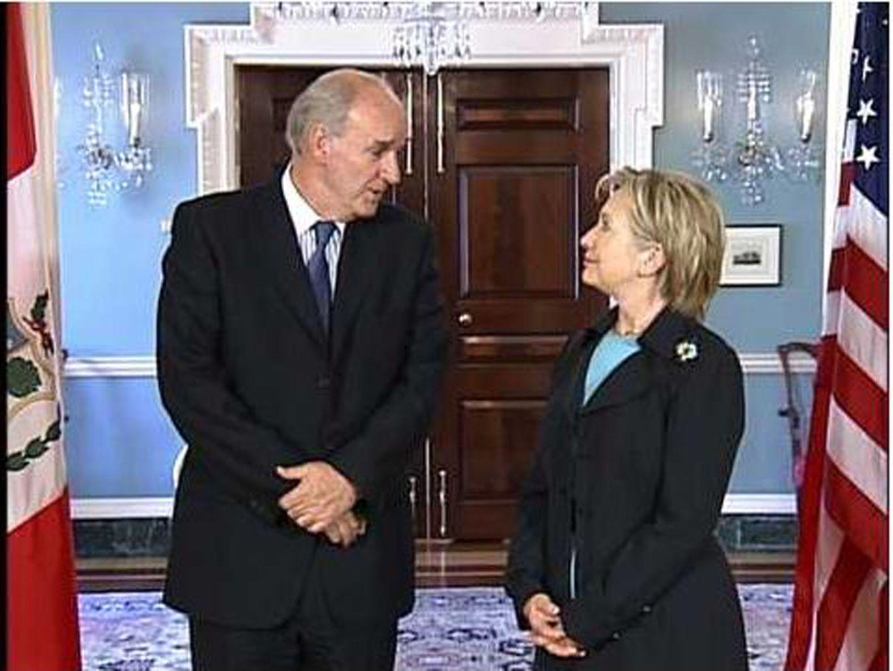 El canciller, José Antonio García Belaunde, se reunió con la secretaria de Estado de Estados Unidos, Hillary Clinton.