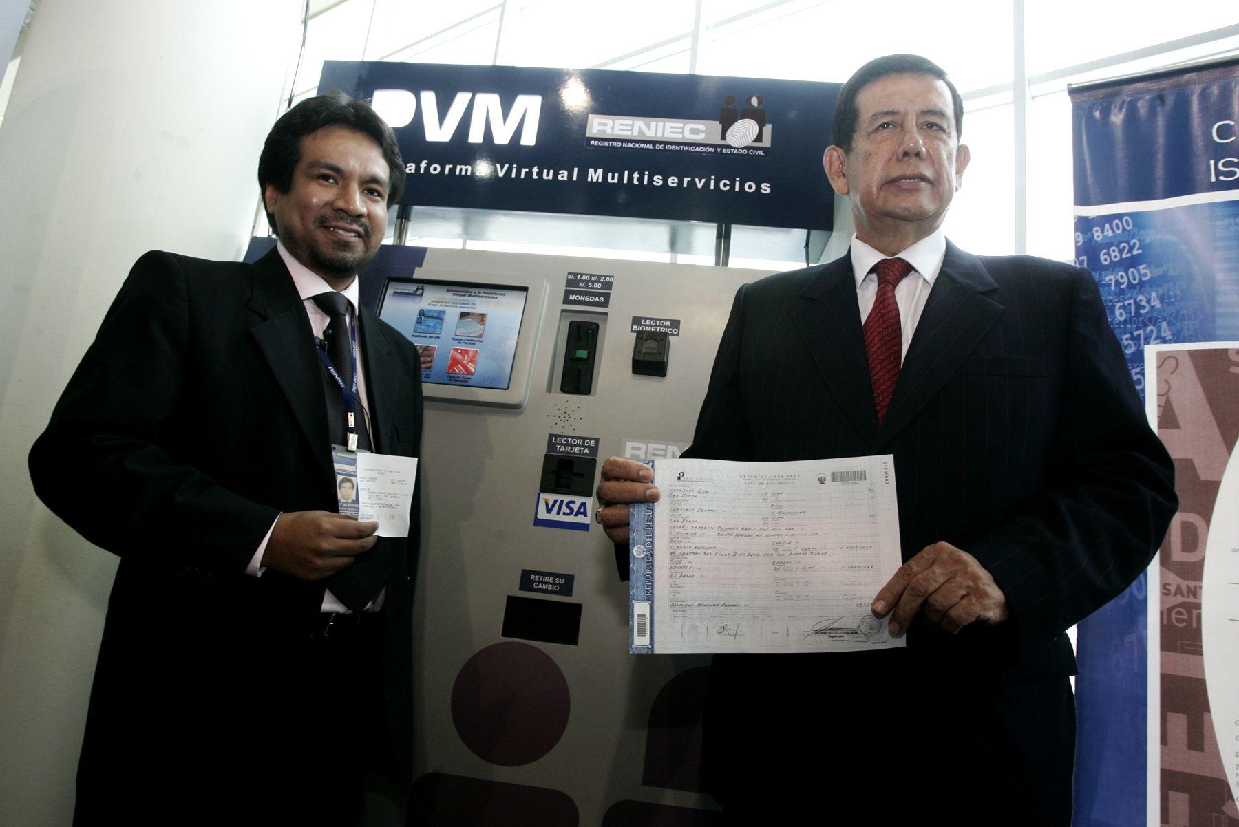 Presentación de la plataforma virtual multiservicios de Reniec (PVM) a cargo del Jefe de Reniec Eduardo Ruiz Botto. Foto: ANDINA / Rafael Cornejo