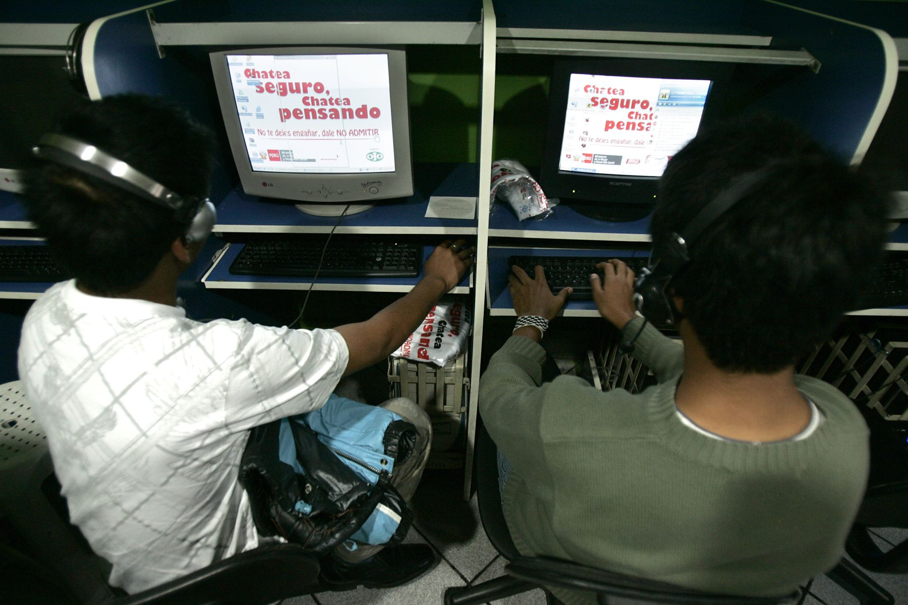 Cabina de internet segura. Foto: ANDINA/Rubén Grández