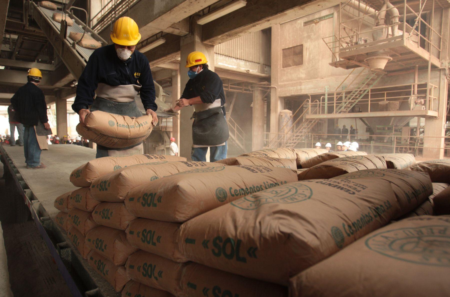 Fábrica de cemento. Foto: ANDINA/archivo