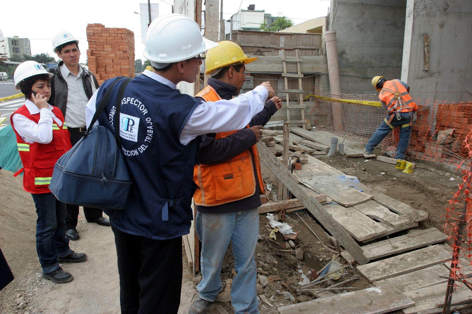 Otras seis obras de construcción se mantienen clausuradas en el ...