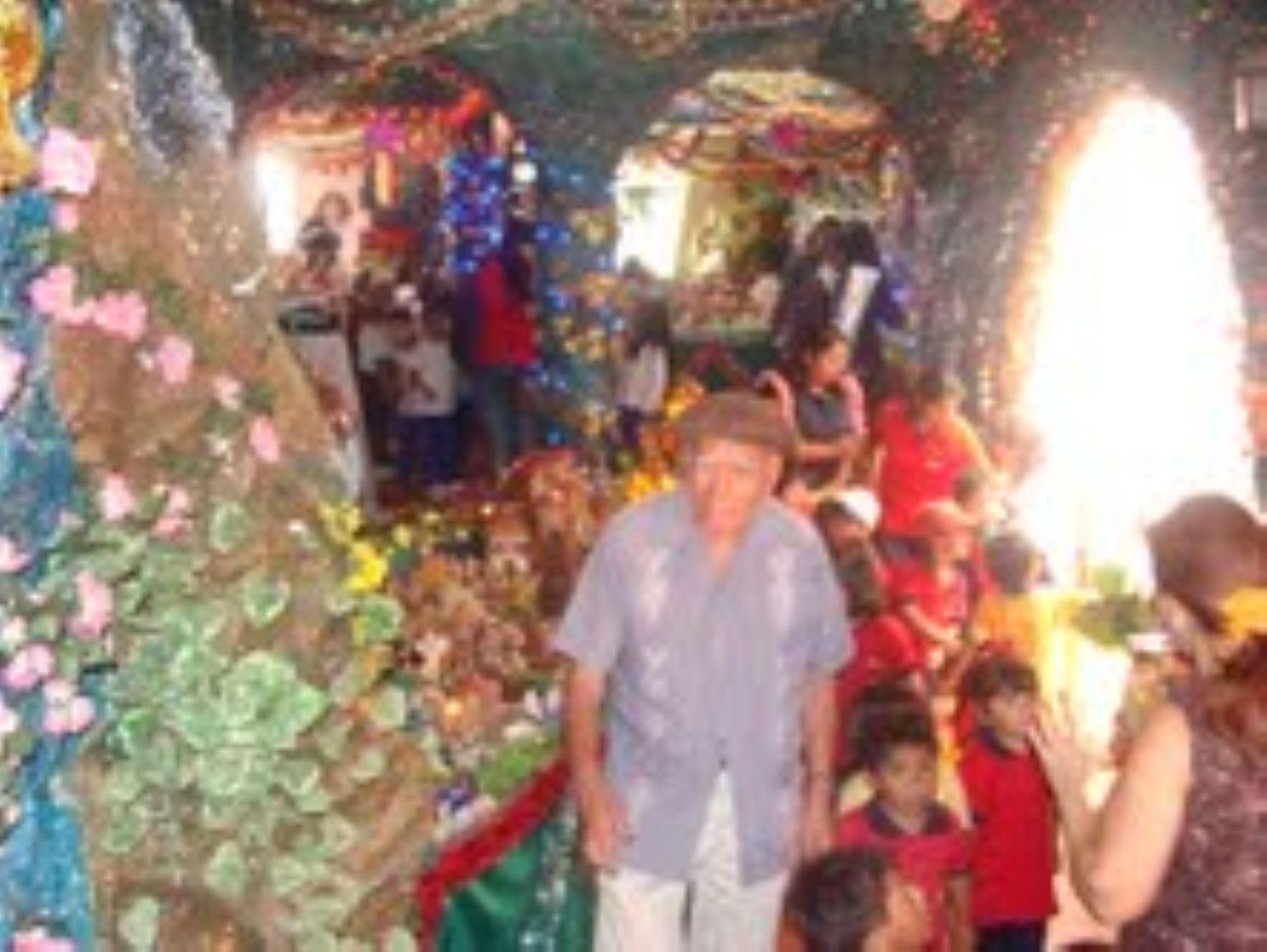 En el distrito de Pocollay (Tacna), el octogenario Isauro Salinas exhibe un nacimiento gigante que reúne las costumbres navideñas de la Costa, la Sierra y la Selva. Foto: Municipalidad de Pocollay.