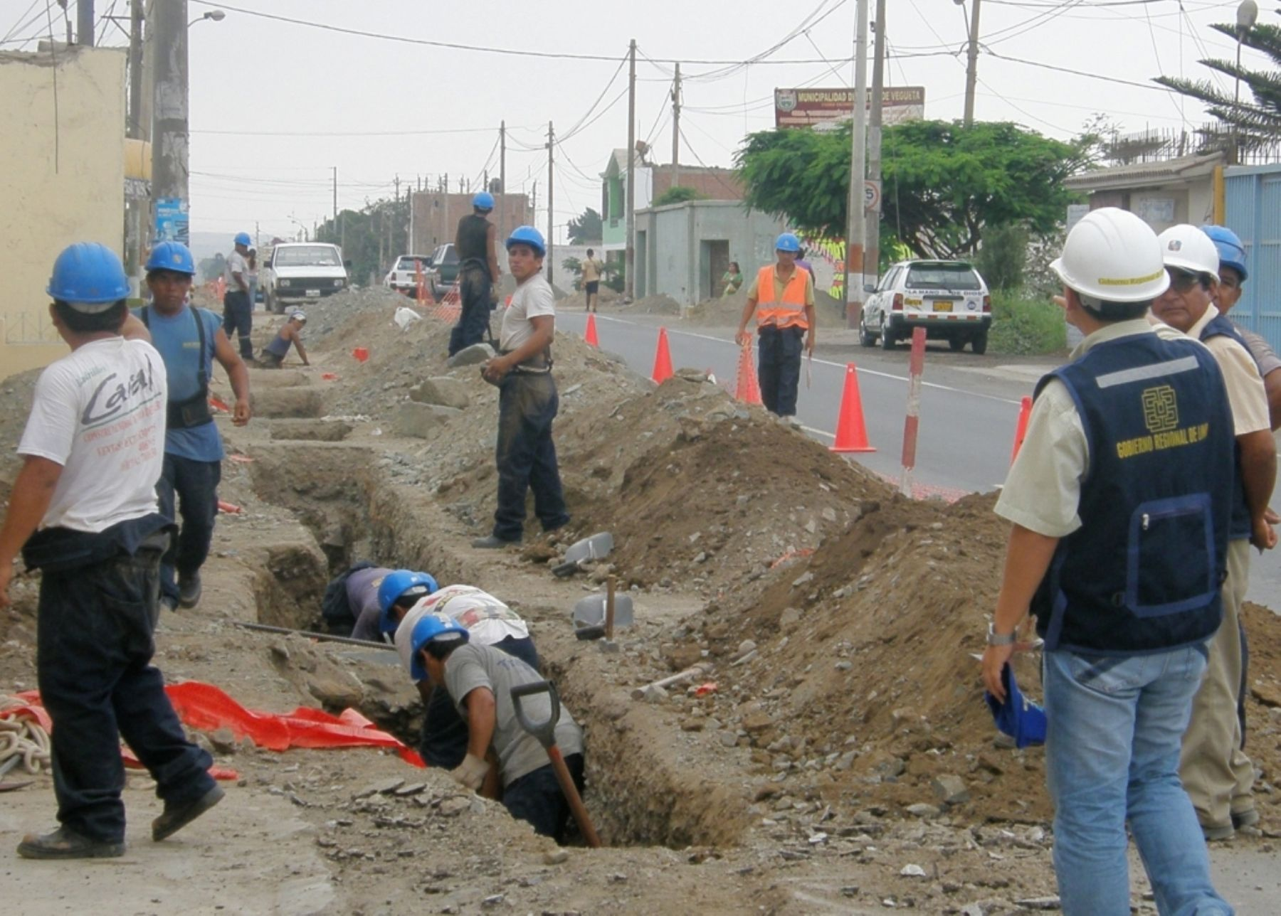 Sanitation works in the province of Huaura (Lima). Photo: ANDINA.