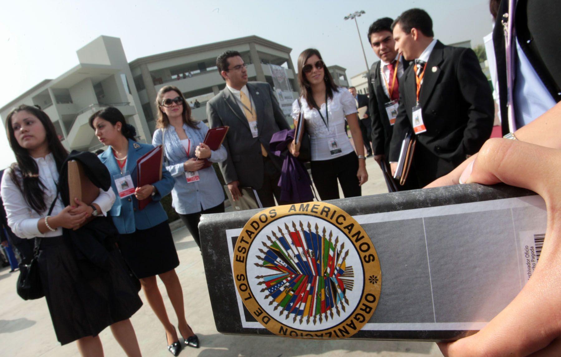 Participantes del XXVIII Modelo de la Asamblea General de la Organización de Estados Americanos (MOEA). Foto: ANDINA/Carlos Lezama