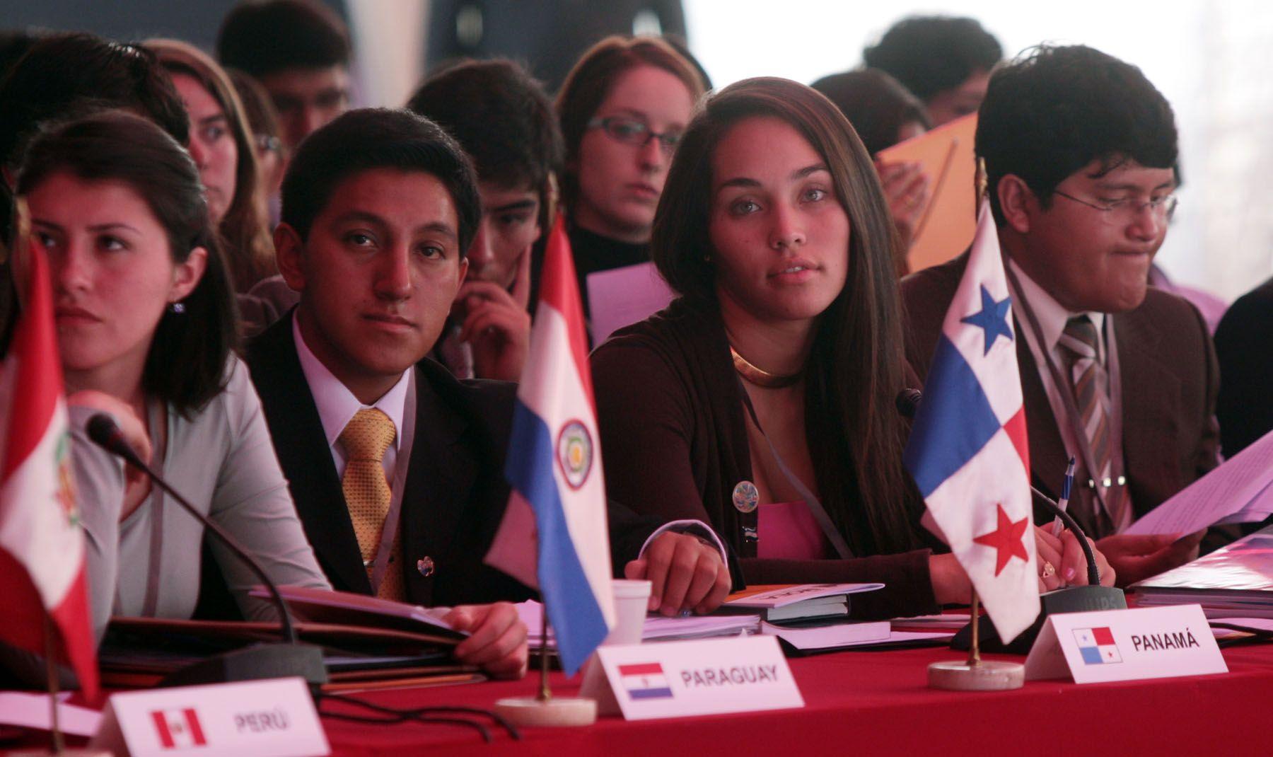 Delegados participantes en el XXVIII  Modelo de la Asamblea General de la Organización de Estados Americanos (MOEA), Foto: ANDINA/Carlos Lezama.
