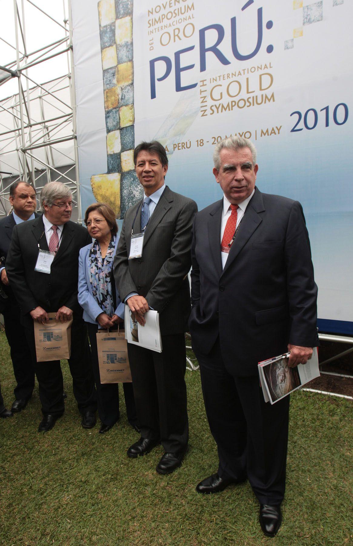 El Ministro de Energìa y Minas, Pedro Sánchez, inauguró esta mañana el Noveno Simposium Internacional del Oro.  Foto: ANDINA/Juan Carlos Guzmán Negrini.