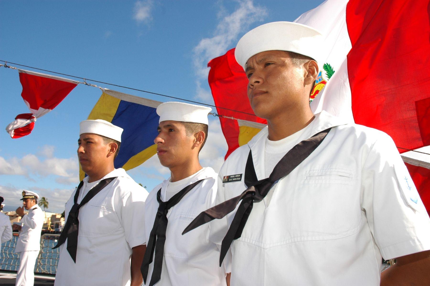 Jóvenes que realizan Servicio Militar Voluntario acceden a una educación productiva y obtienen diversos beneficios. Foto: Marina de Guerra del Perú.