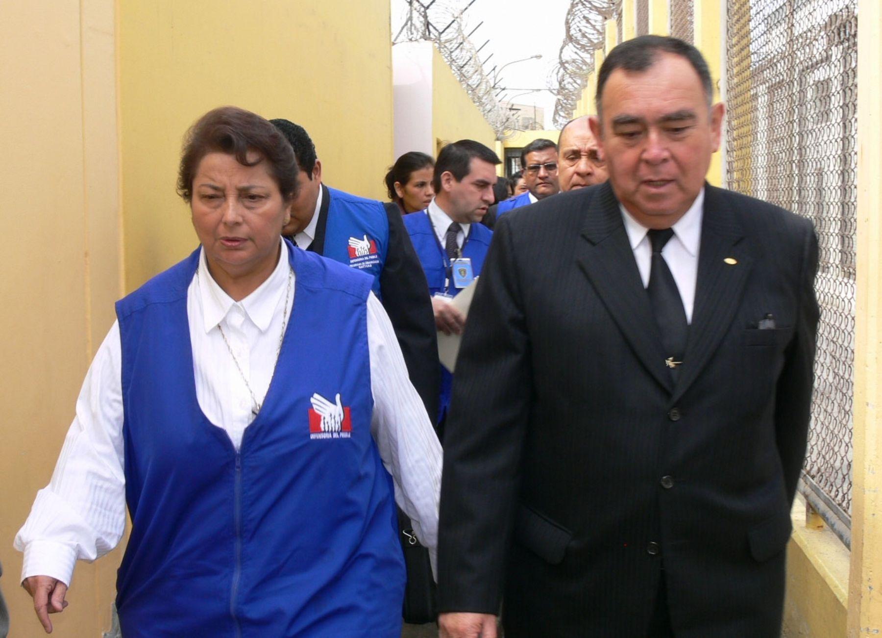 Defensora del Pueblo visita penal Sarita Colonia del Callao junto a presidente del INPE, Rubén Rodríguez Rabanal. Foto: Defensoría del Pueblo