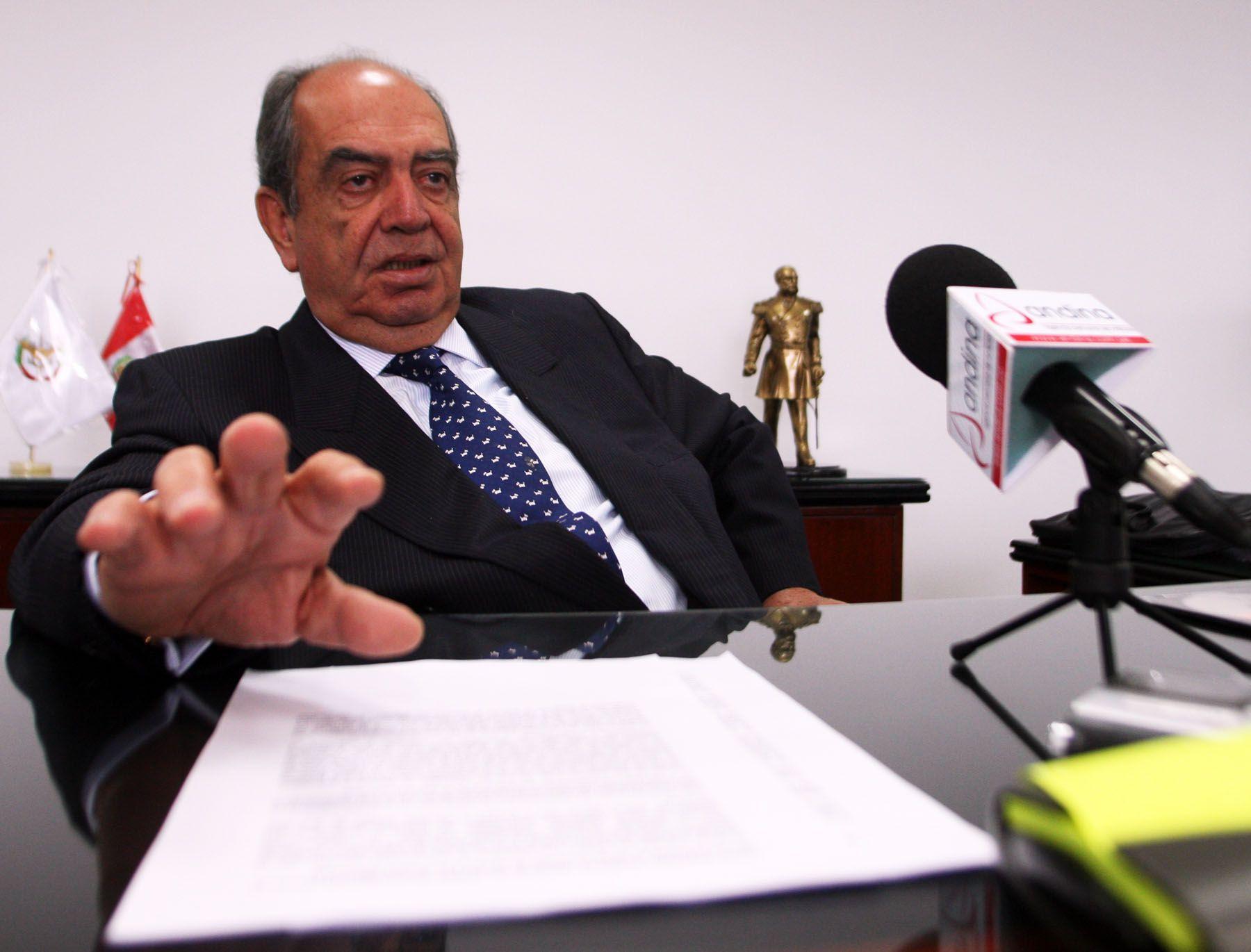Ministro de Defensa Jaime Thorne León en declaraciones a la agencia Andina. Foto: ANDINA/Gustavo Sánchez.