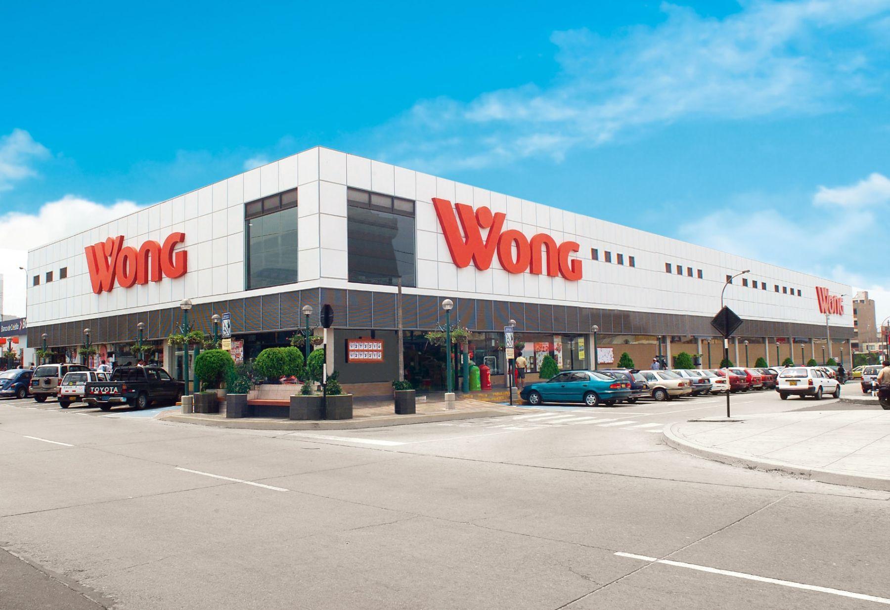 Supermercado Wong Tomás Marsano que Cencosud Perú abre en el distrito limeño de Surco.