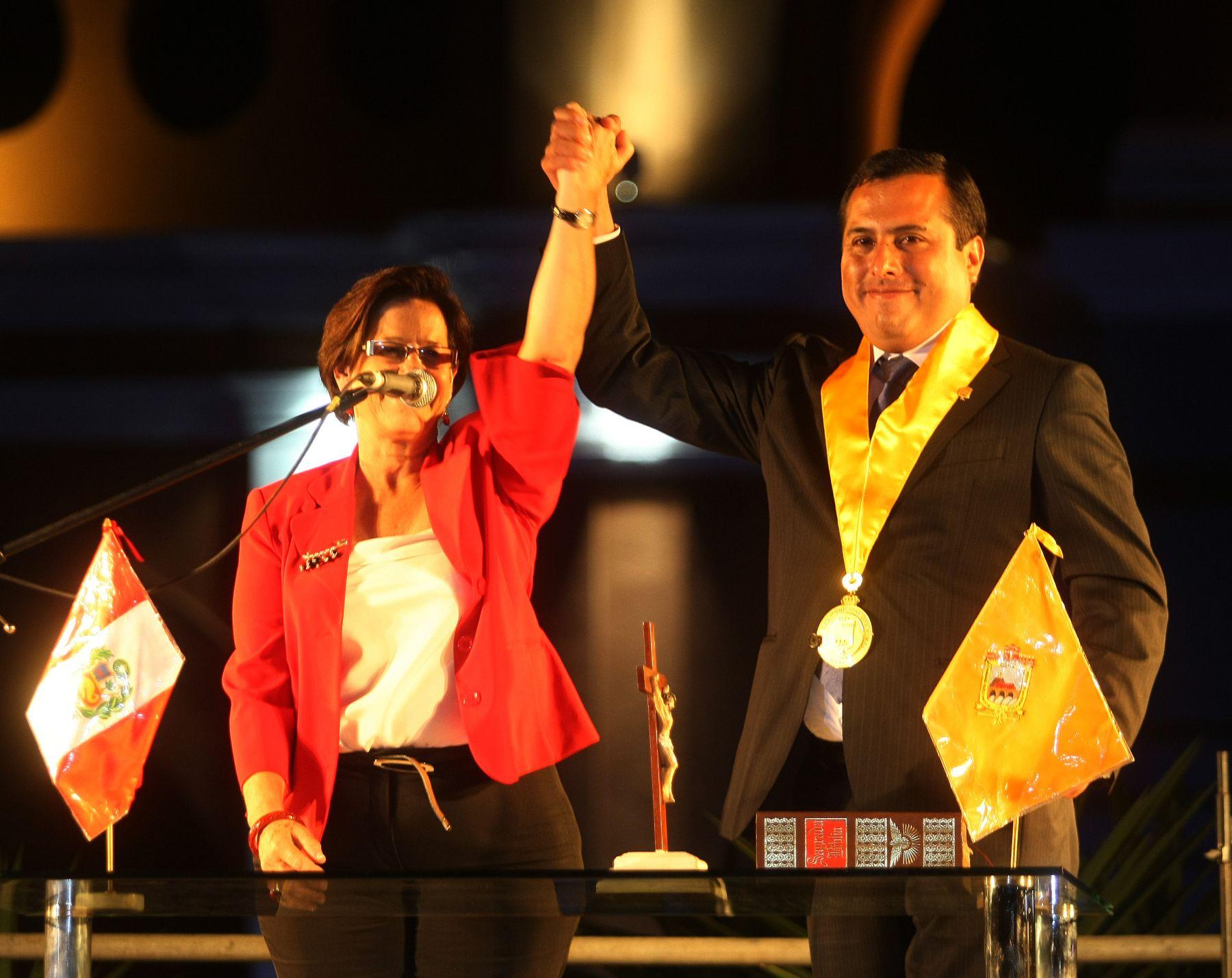 Juramentación de alcalde de Rimac Foto: ANDINA/Vidal Tarqui