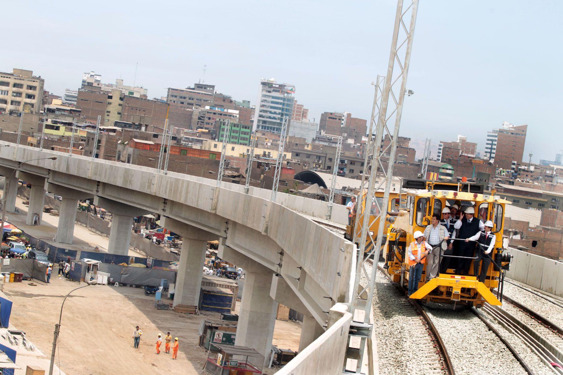 Línea 1 del Tren Eléctrico funcionará con 24 trenes en junio de 2013, informó la Autoridad Autónoma de este sistema de transporte masivo. Foto: ANDINA/Archivo