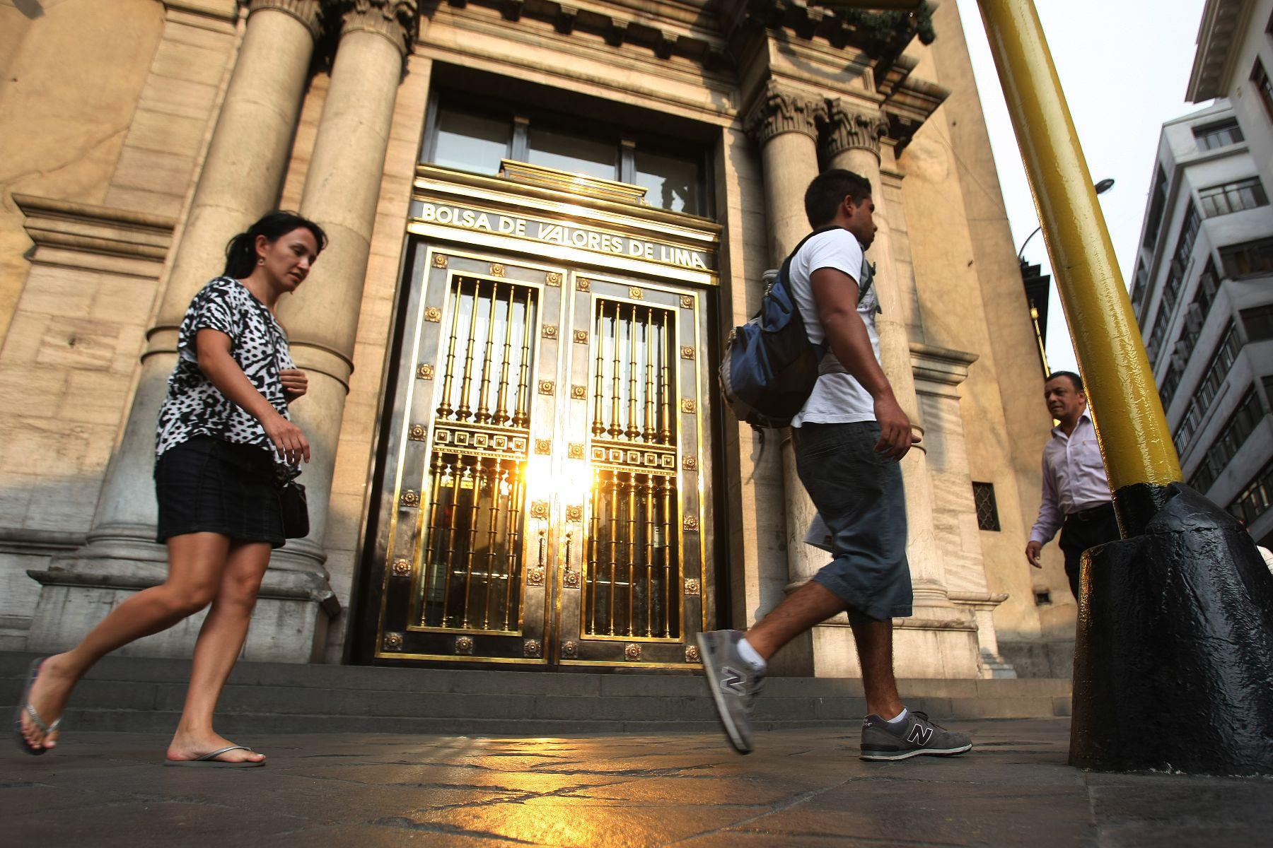 La Bolsa de Lima sube 0,91 % y cierra en 20.777,07 puntos