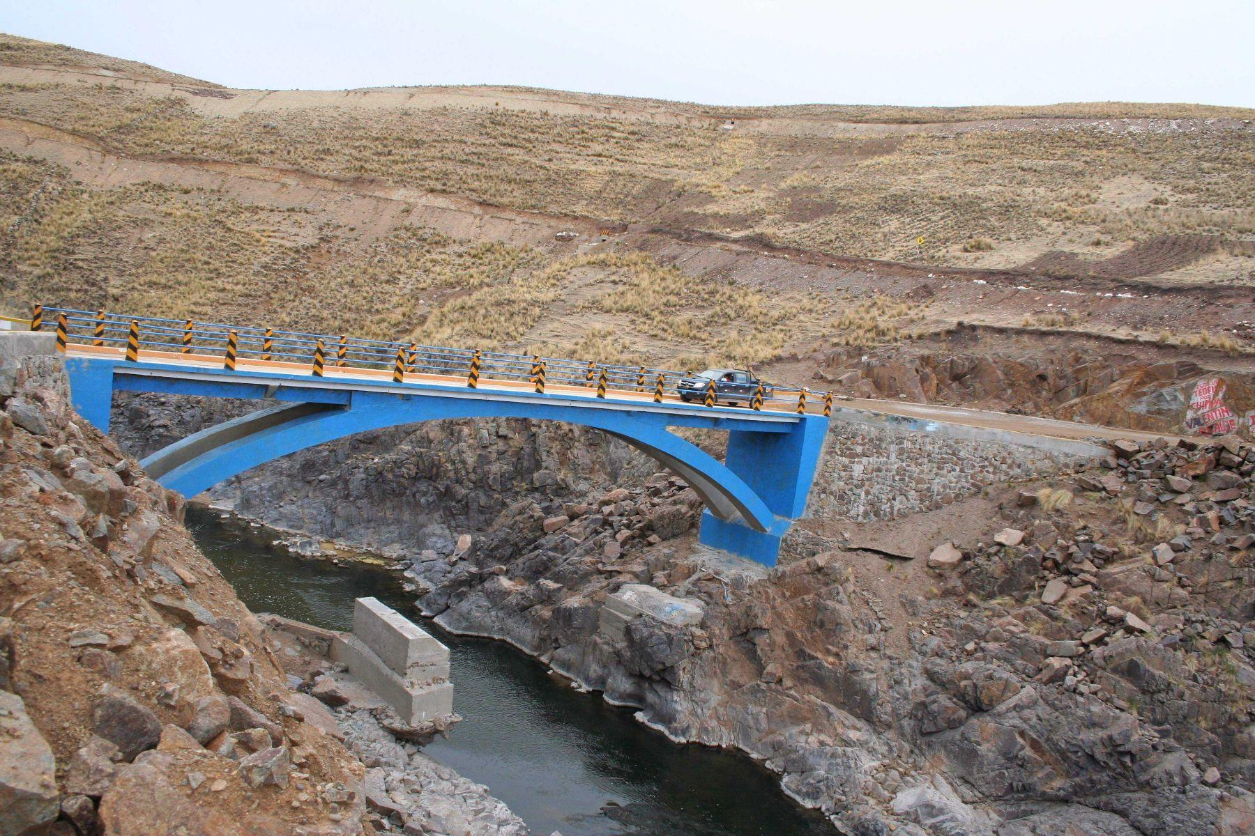 Puente en los Andes. ANDINA/Difusión.