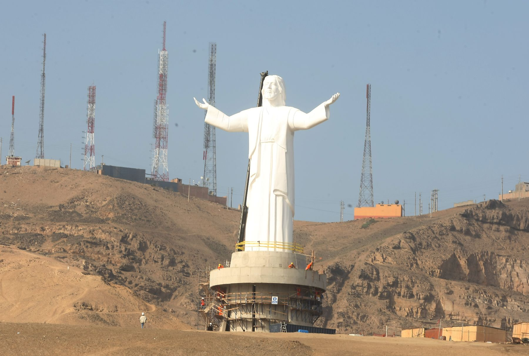 Cristo del Pacífico: Alan García lamenta incendio que dañó monumento